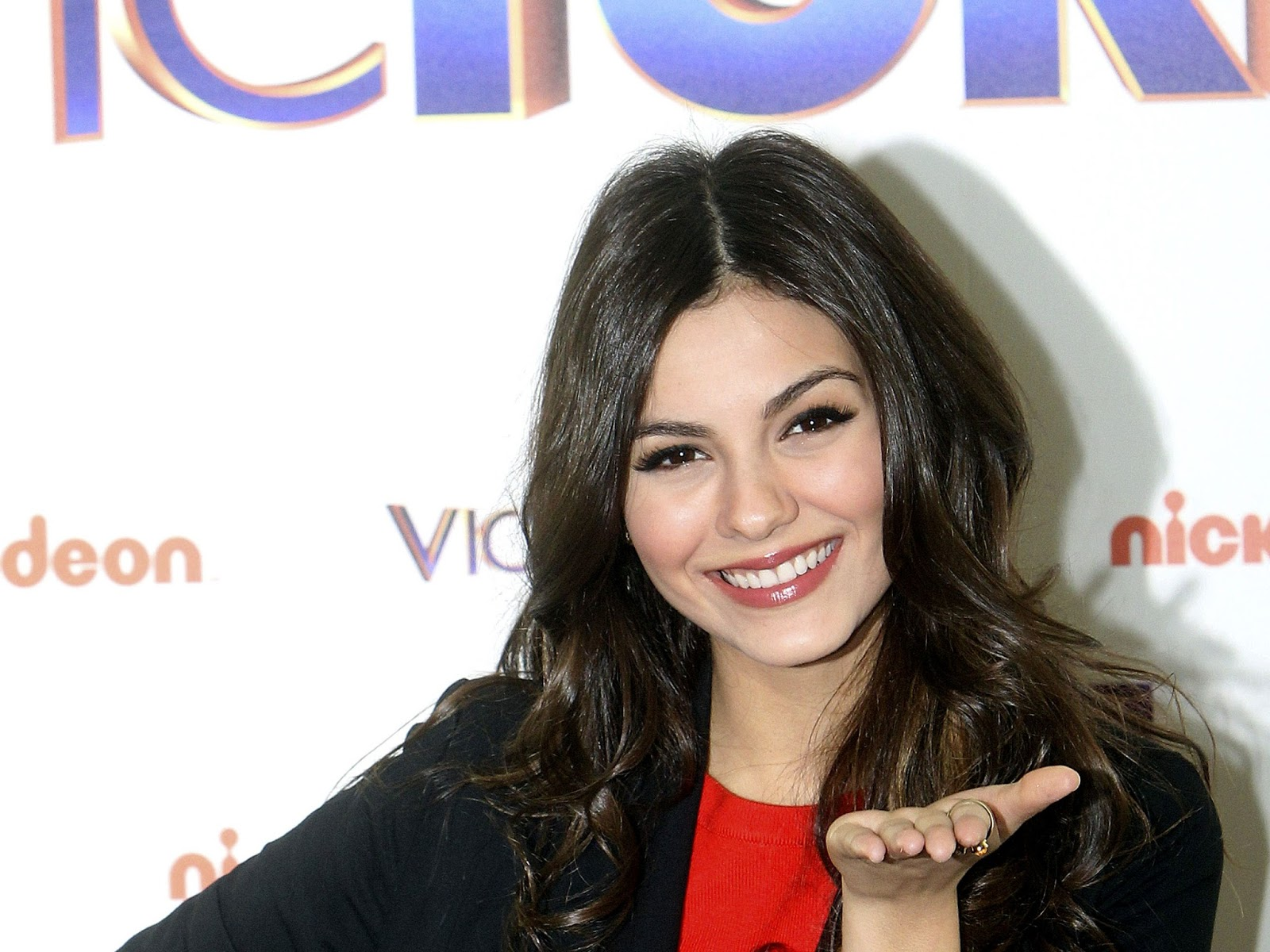 Victoria Justice Hd Wallpapers HD Wallpapers 1600x1200