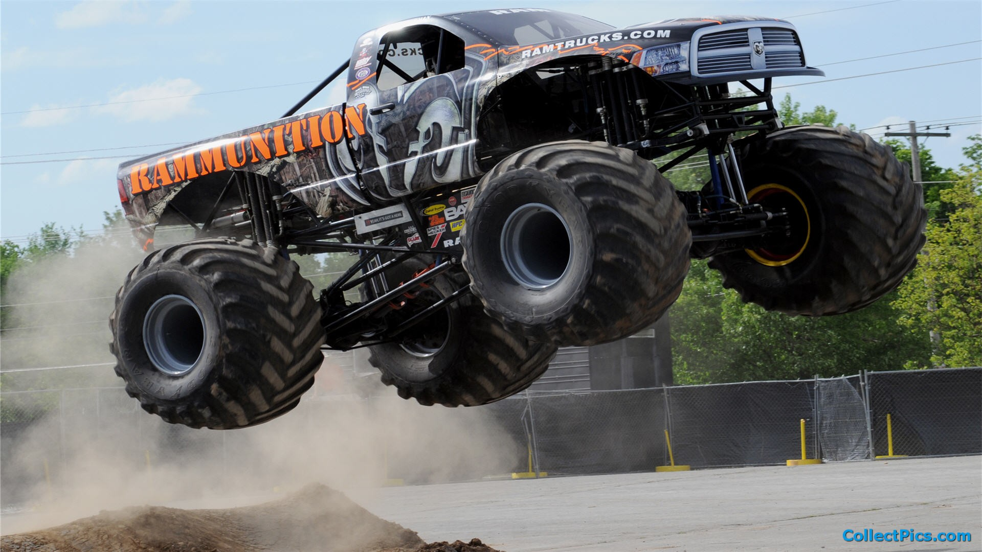 monster trucks wallpaper wallpapersafari. Black Bedroom Furniture Sets. Home Design Ideas
