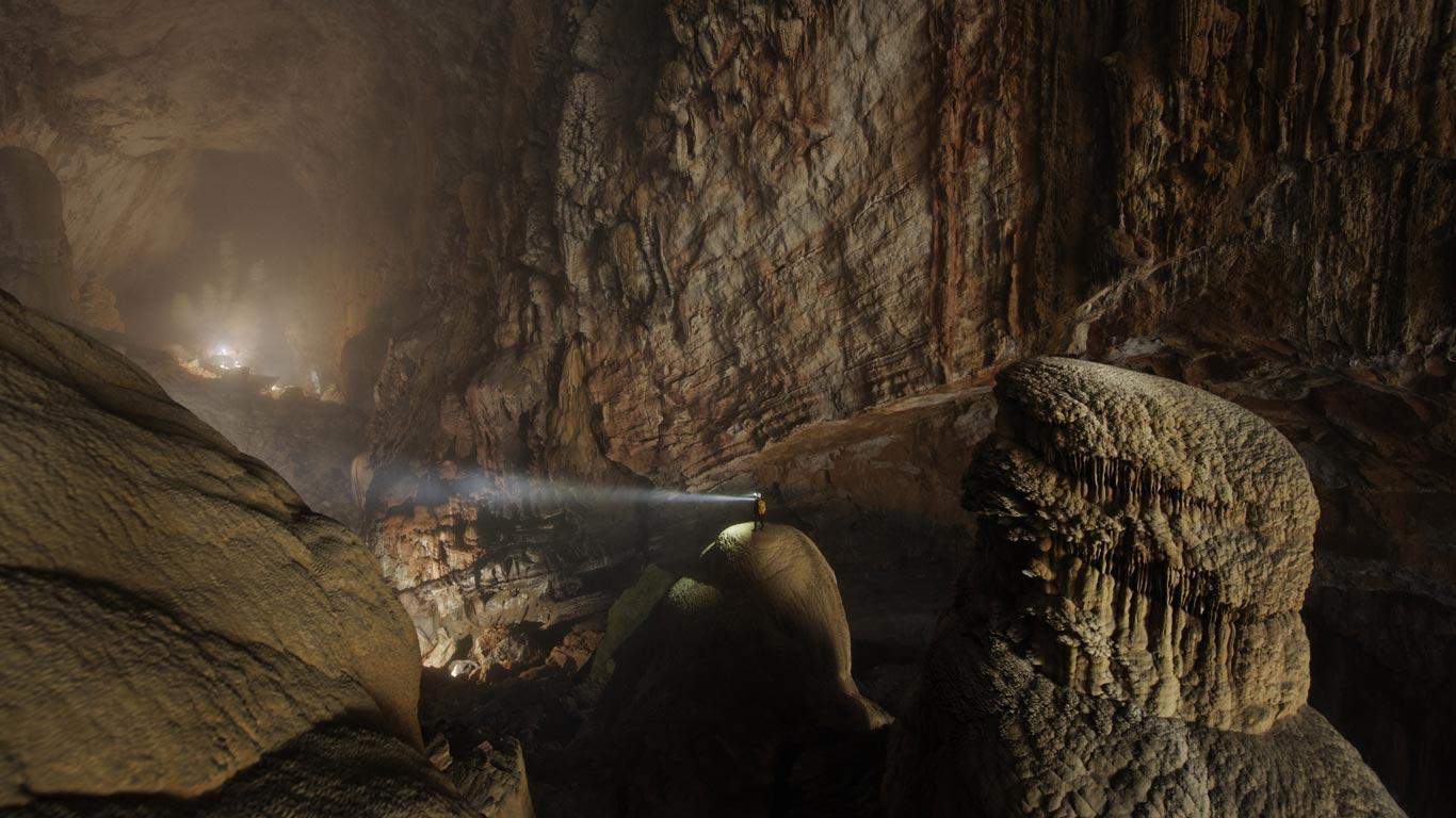 Hang Son Doong, Phong Nha Ke Bang National Park, Vietnam (© Carsten ...
