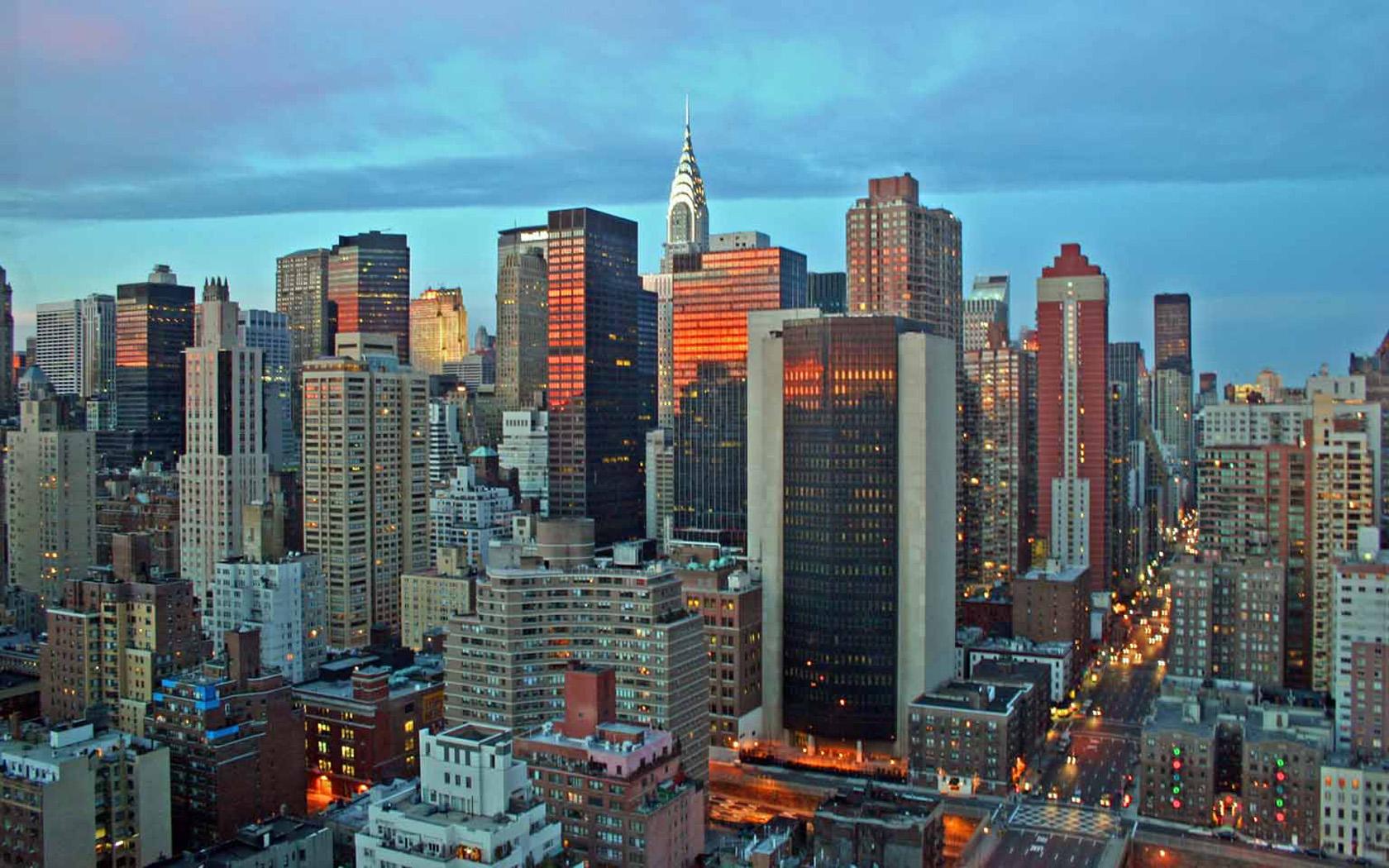 New York Evening Skyline Wallpaper 1680x1050 pixel City HD Wallpaper 1680x1050