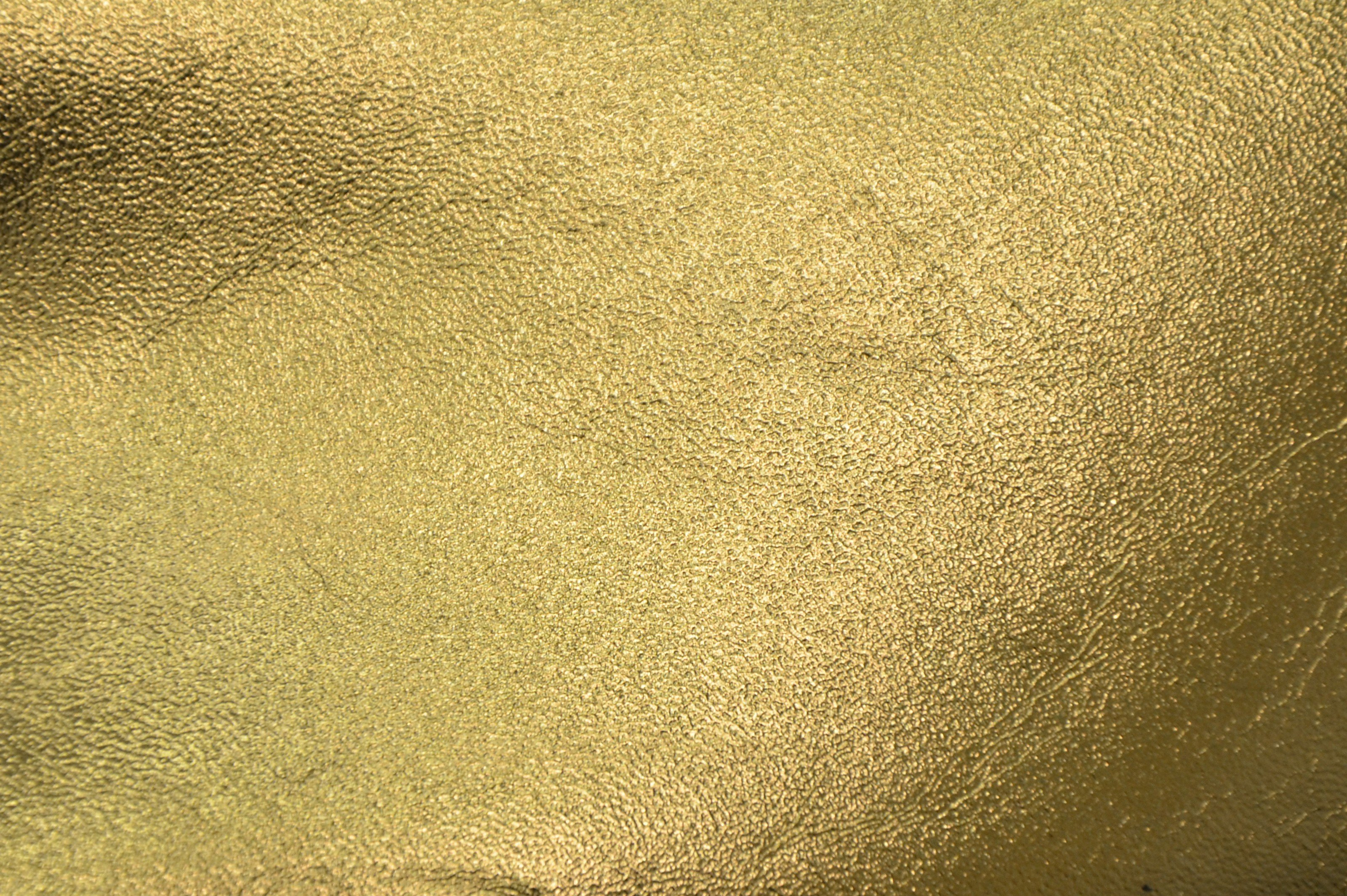 Gold wallpaper metallic wallpapersafari for Metallic wallpaper