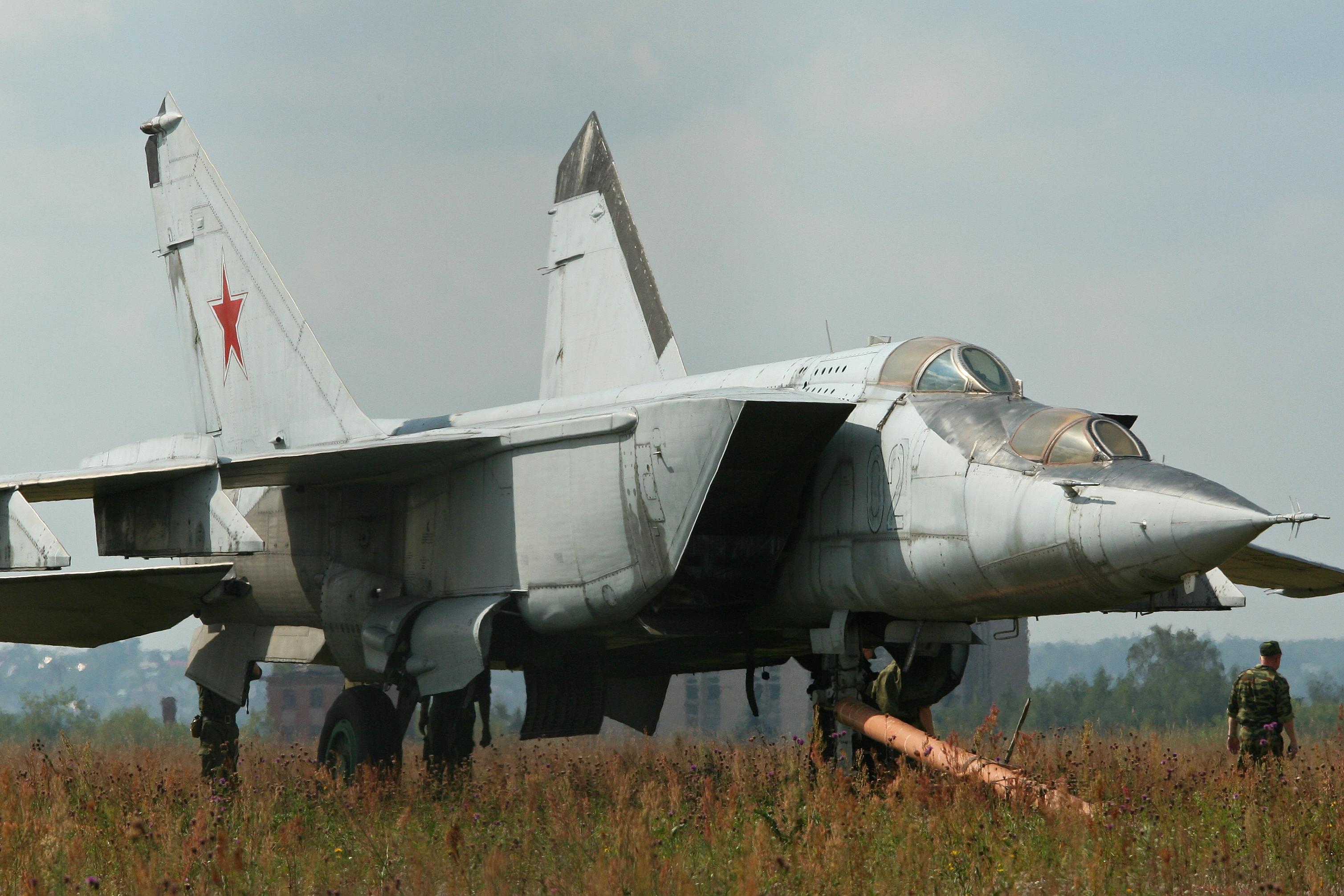 FileMikoyan MiG 25PU SOTN Foxbat C 02 blue 8605743456jpg 3018x2012