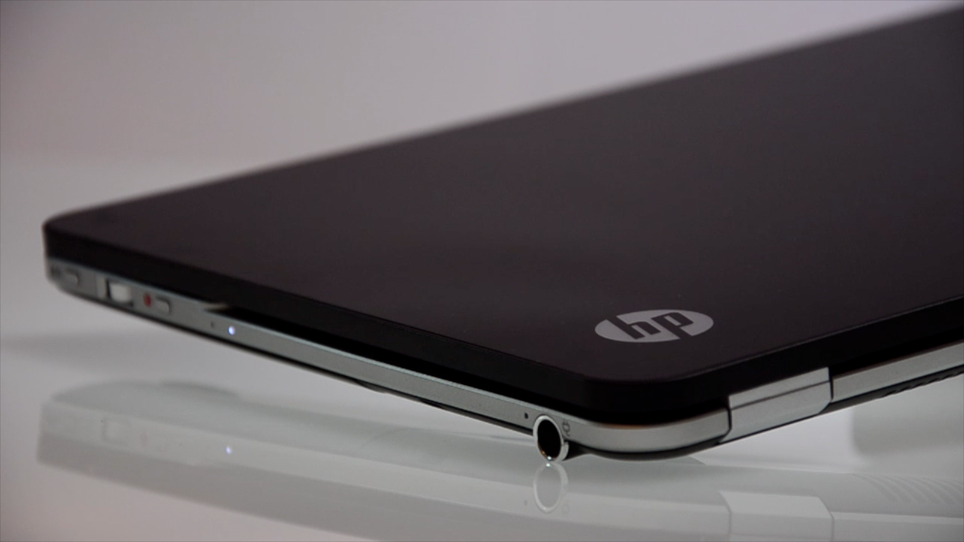 This week Ive been testing the HP Envy Spectre 14 a glass covered 1920x1080