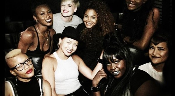 with Her Background Dancers at J Cole Concert in Los Angeles [Photo 600x330