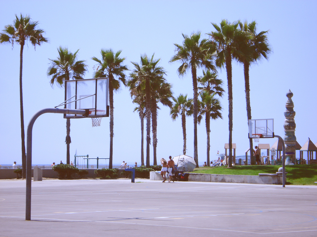 Basketball court in Venice Beach CA Dan Mikolics Flickr 1024x768