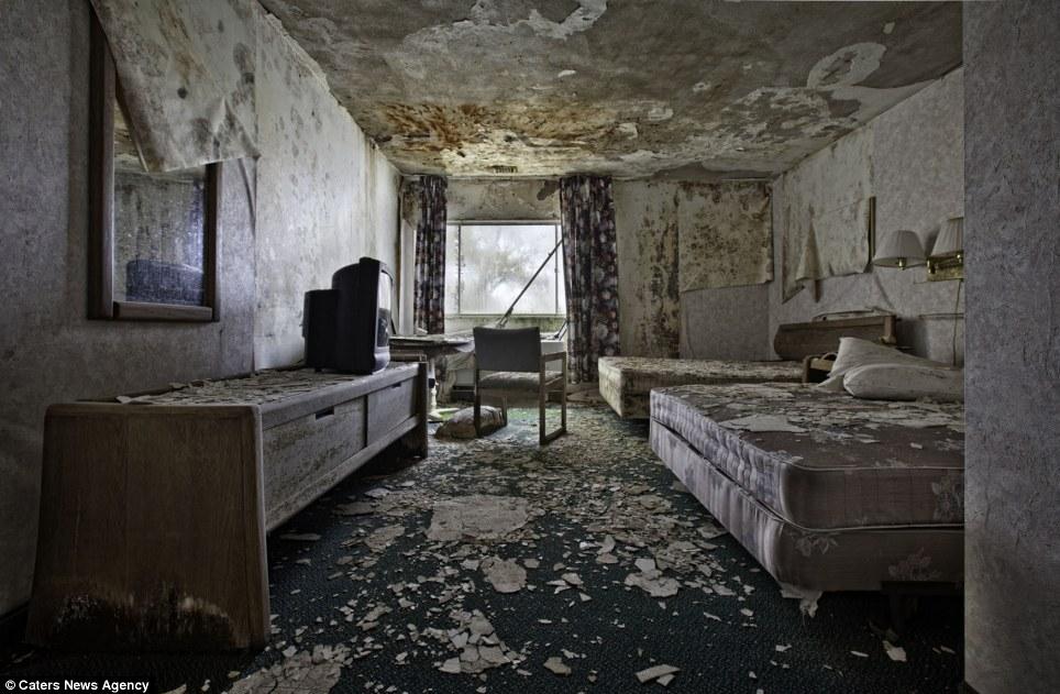Free Download Abandoned Places Wallpaper Peeling Wallpaper