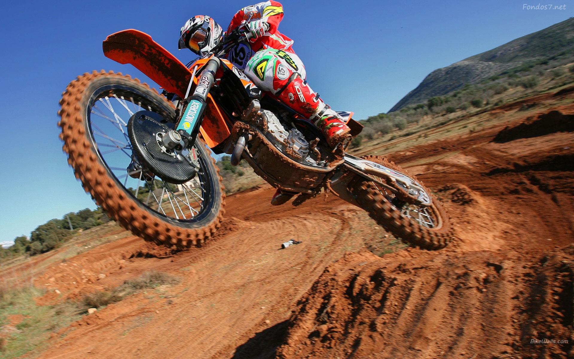 Descargar Fondos de pantalla saltos en motocross 2011 hd widescreen 1920x1200