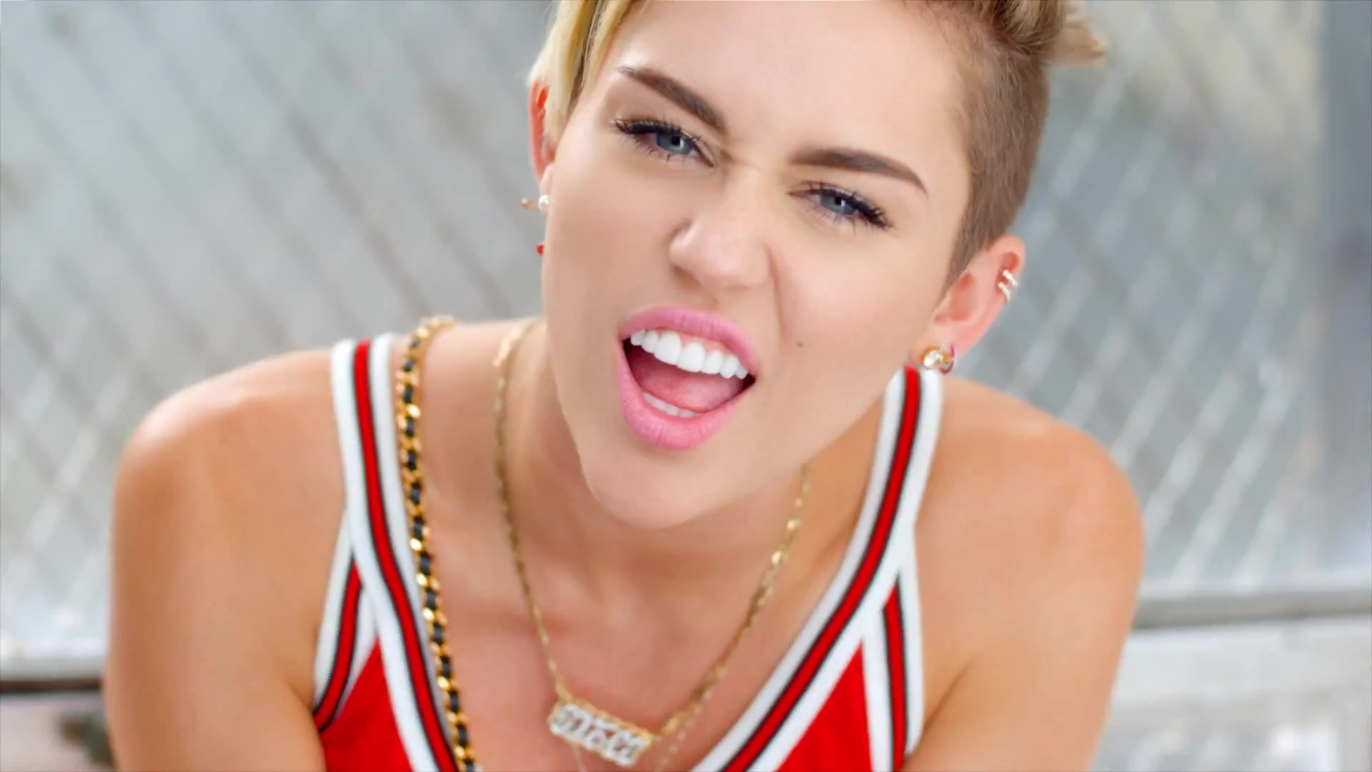 image Miley cyrus 23 video recut with only shots of miley