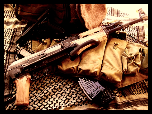 Best guns wallpapers ak 47 wallpaper wallpaper ak 47 hd wallpaper 640x480
