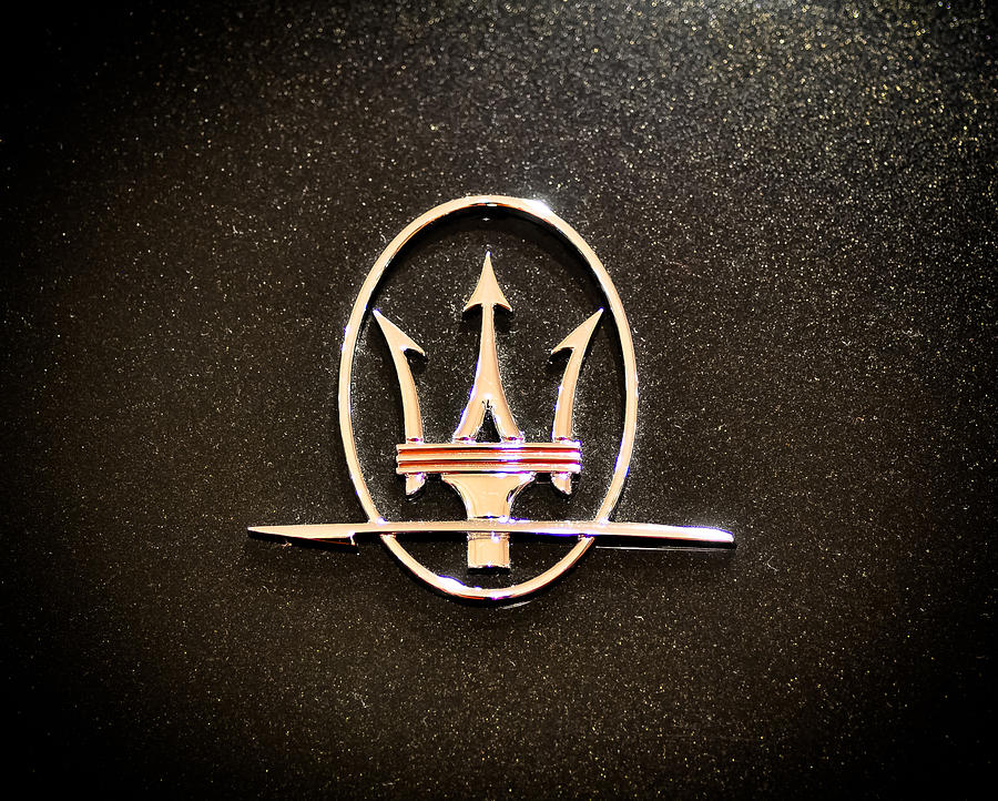 download Maserati Logo by Ronda Broatch [900x722] for your 900x722