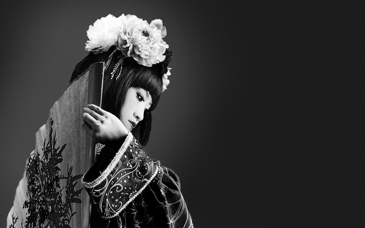 Black and white geisha wallpaper 17053 1229x768