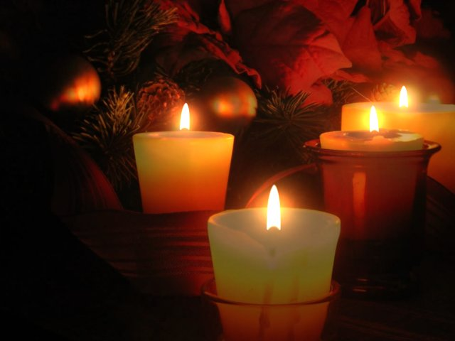 Holiday Wallpapers Christmas Candle Wallpapers 640x480