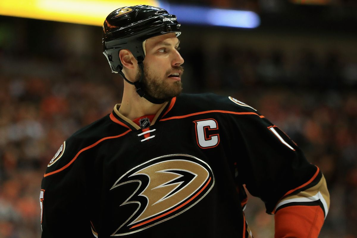 NHL levies meaningless fine against Ducks Ryan Getzlaf for using 1200x800