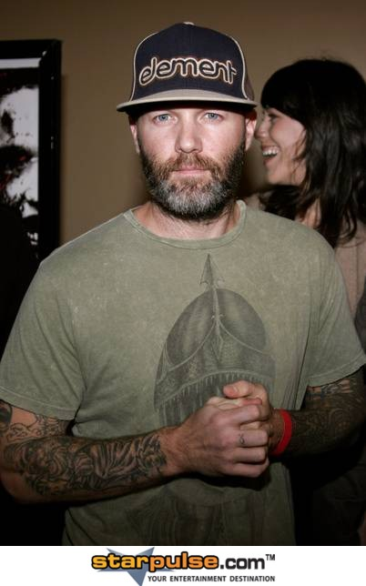 Fred Durst Photos Fred Durst Obama Is No President   Starpulse 402x644