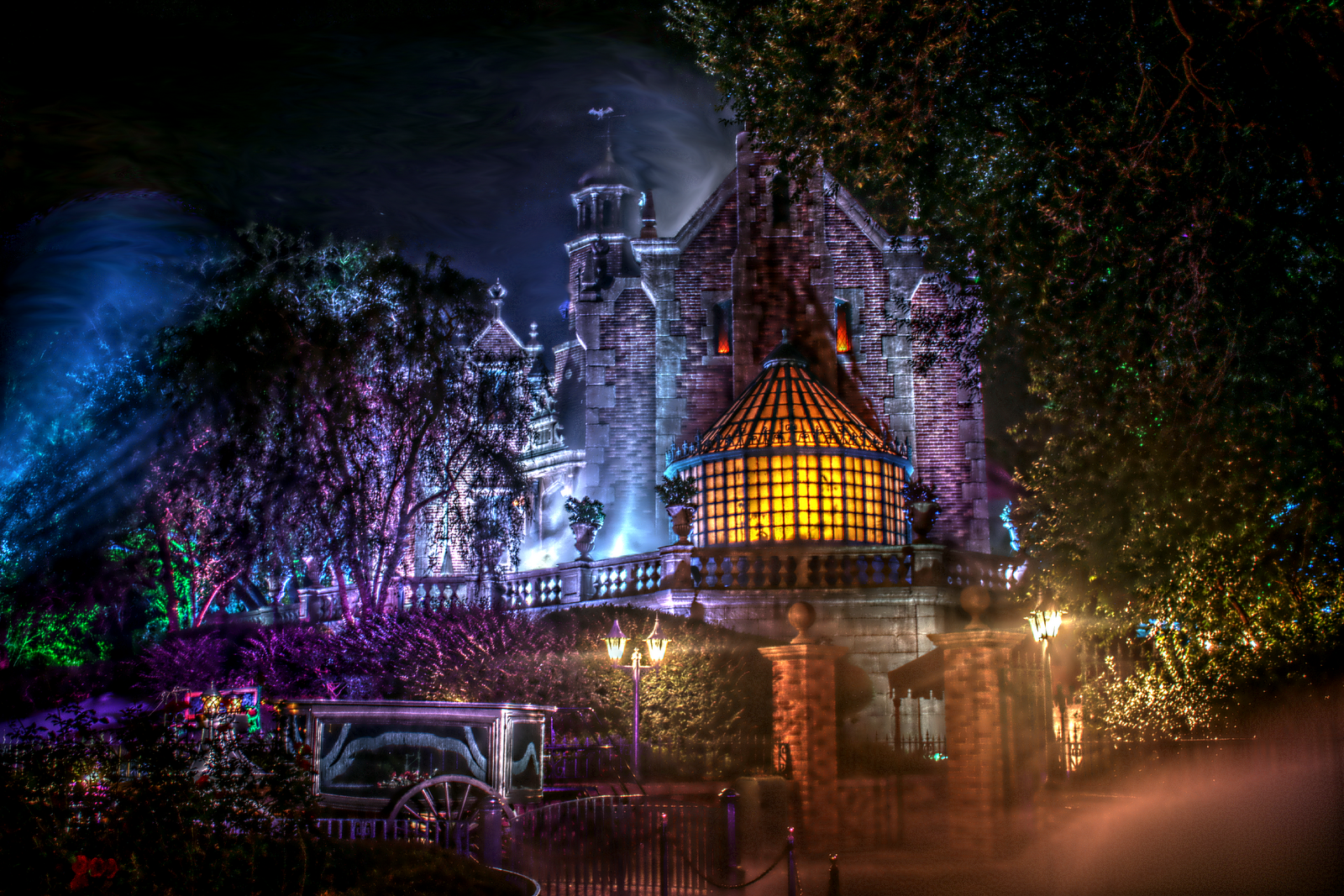Disney 39 s haunted mansion wallpaper wallpapersafari for World house music