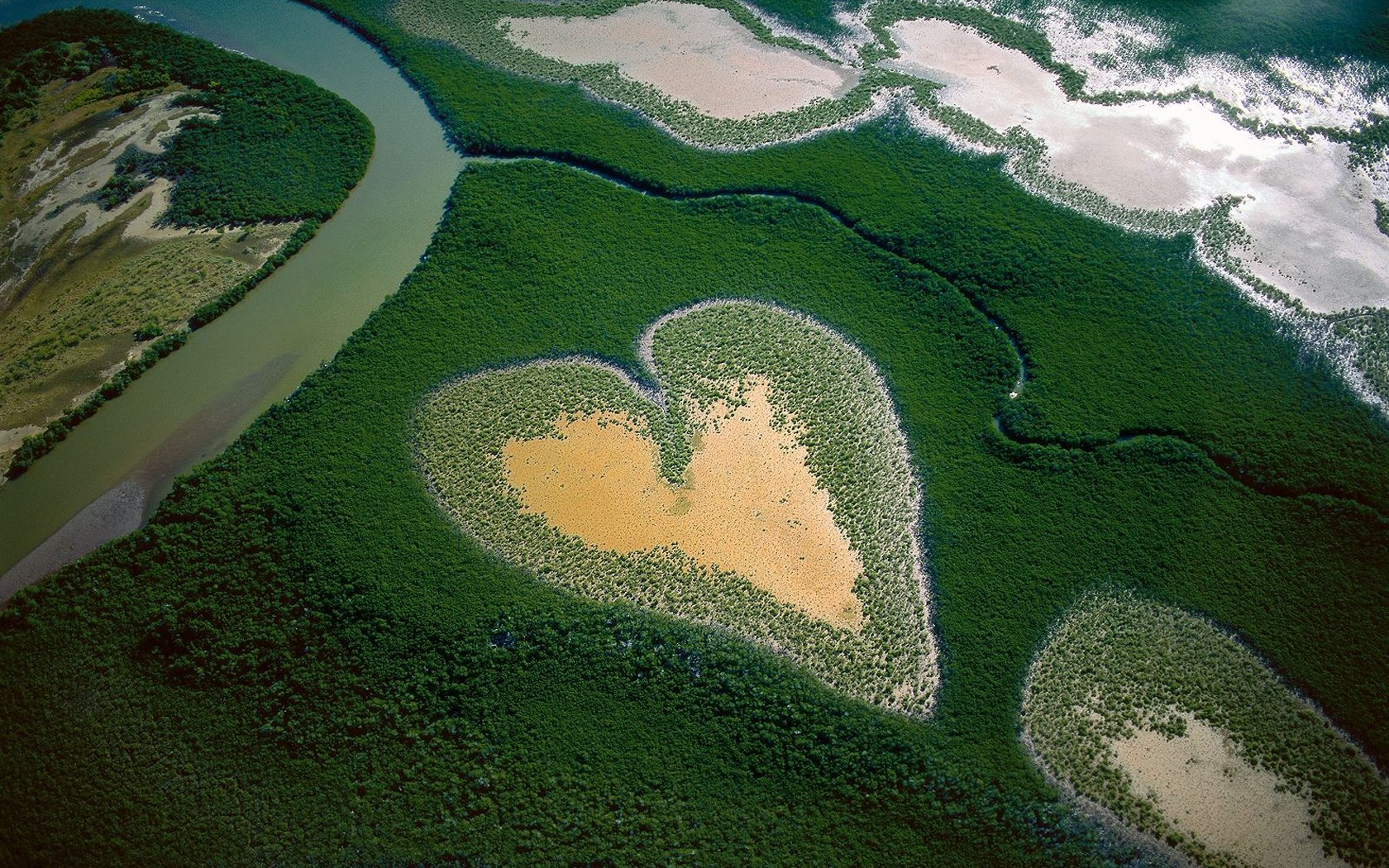 Heart in Voh New Caledonia French Territory widescreen wallpaper 1680x1050