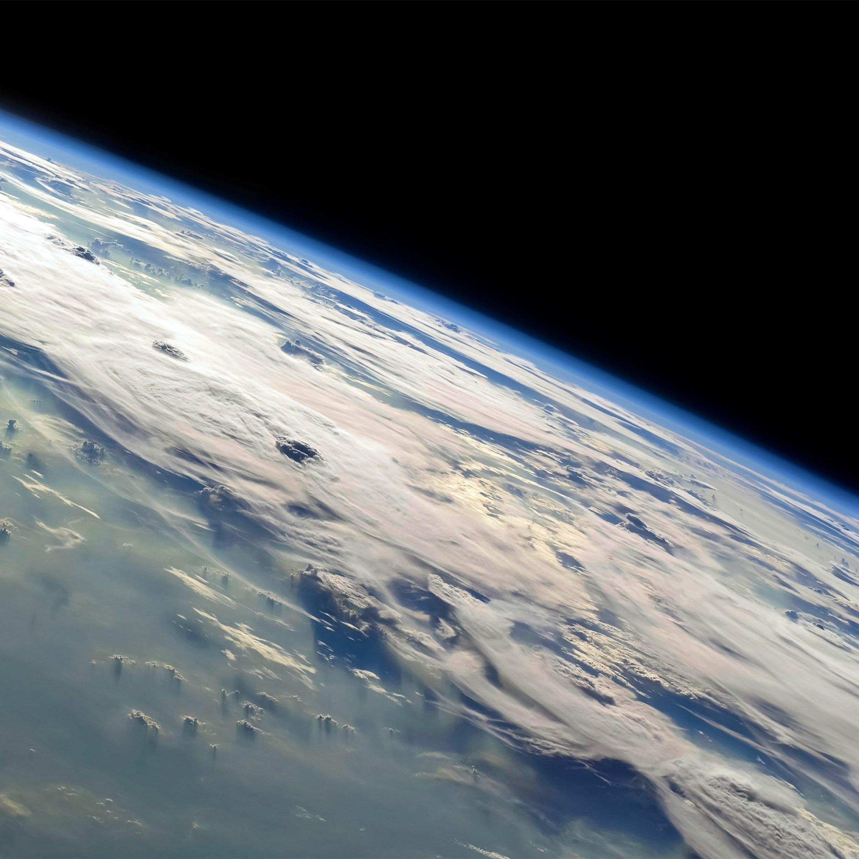 FREEIOS7 earth horizons   parallax HD iPhone iPad wallpaper 2448x2448