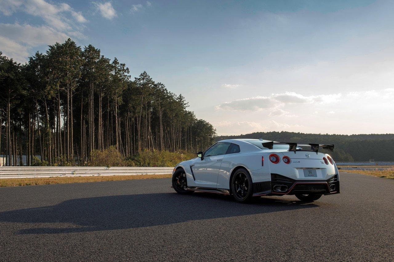 2014 Nissan GT R Nismo nissan gtr 2015 nismo wallpaper 2015 Nissan GT 1280x853