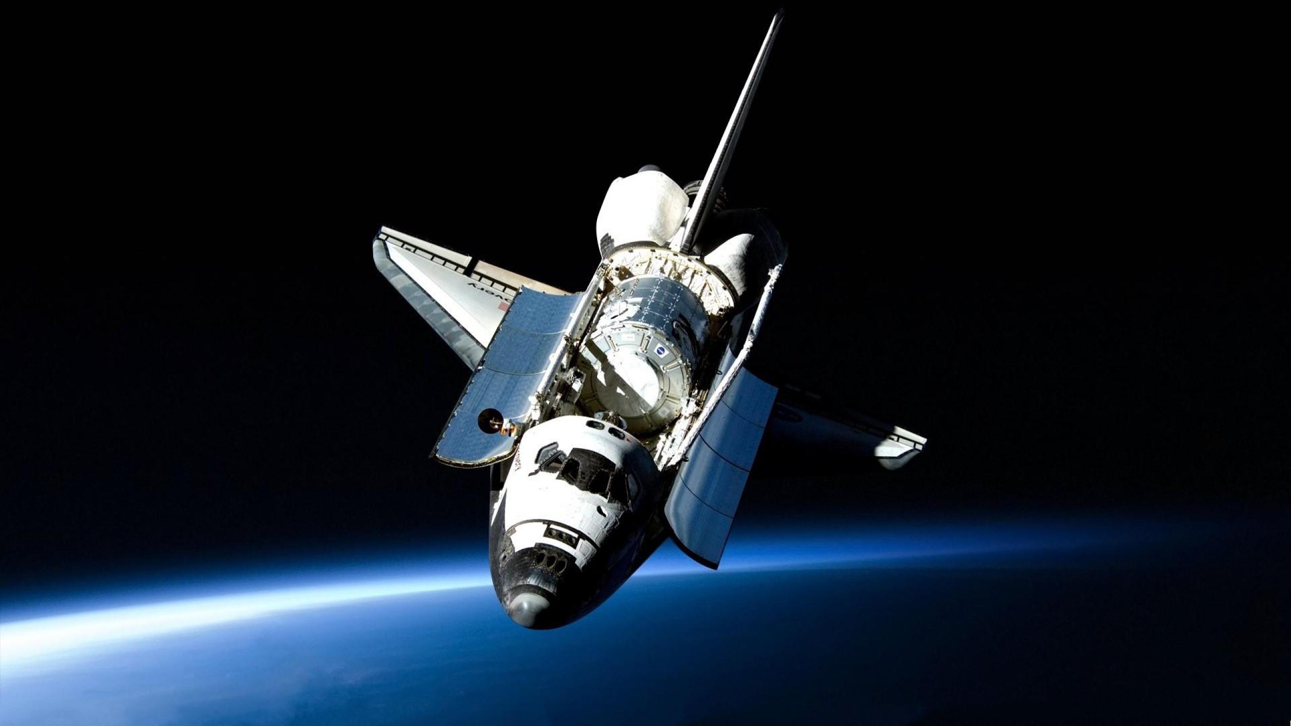 Download Wallpaper 2560x1440 shuttle, open space, flight, light Mac ...