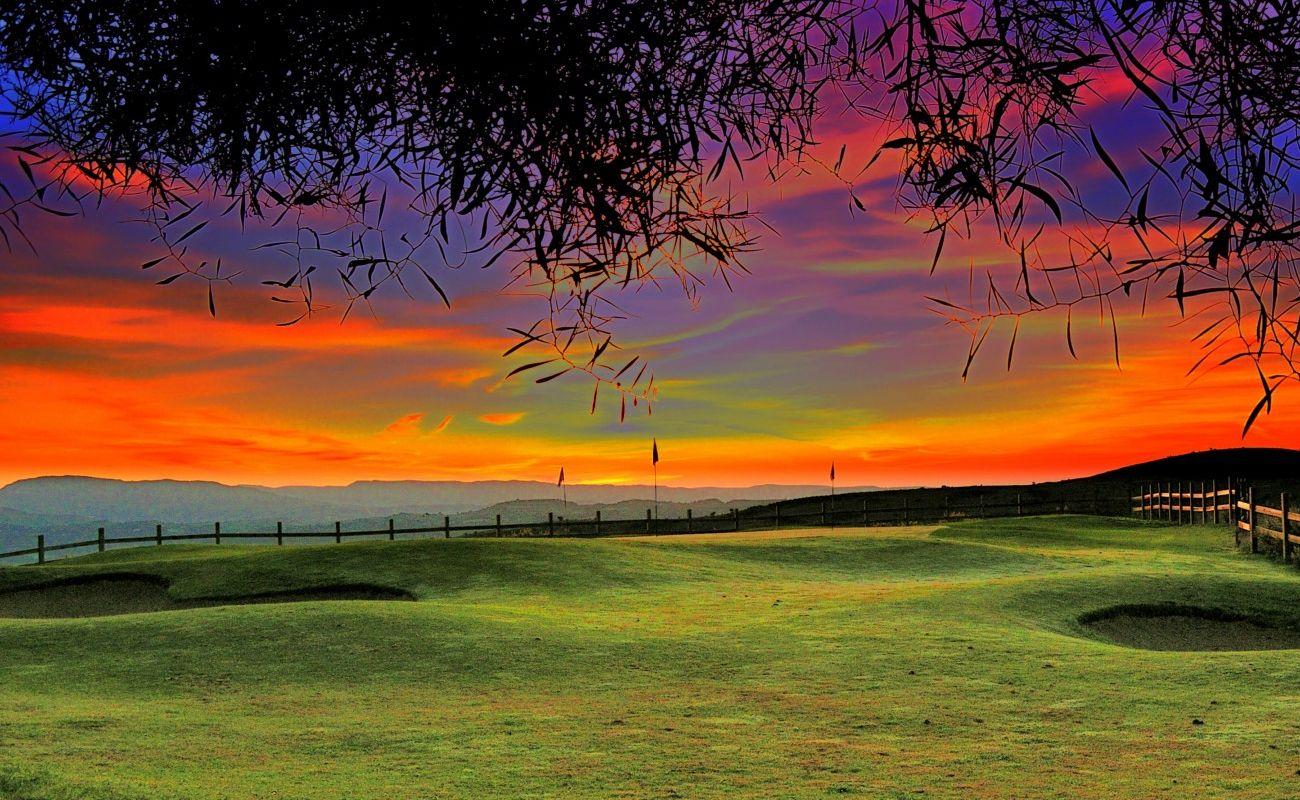 wallpapercomphotogolf course wallpaper background24html 1300x800