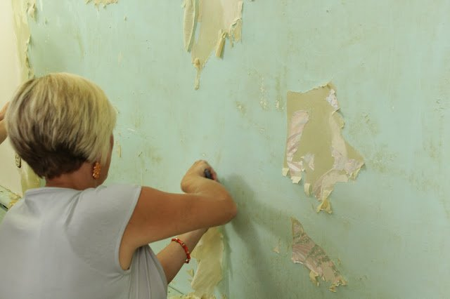 How To Remove Wallpaper The Easy Way   East Coast Creative Blog 640x426