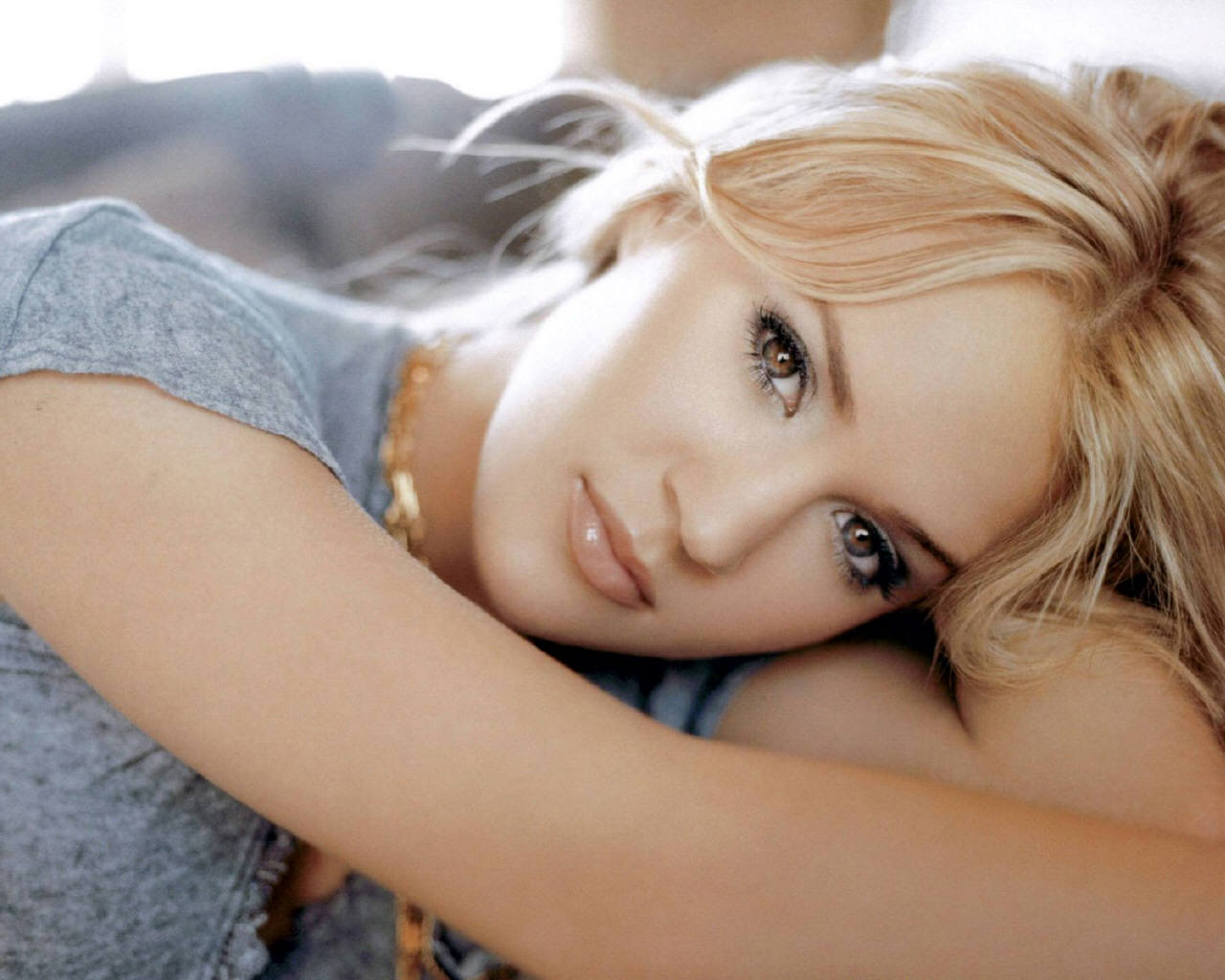 Carrie Underwood Wallpaper   Country Music Wallpaper 10596500 1280x1024