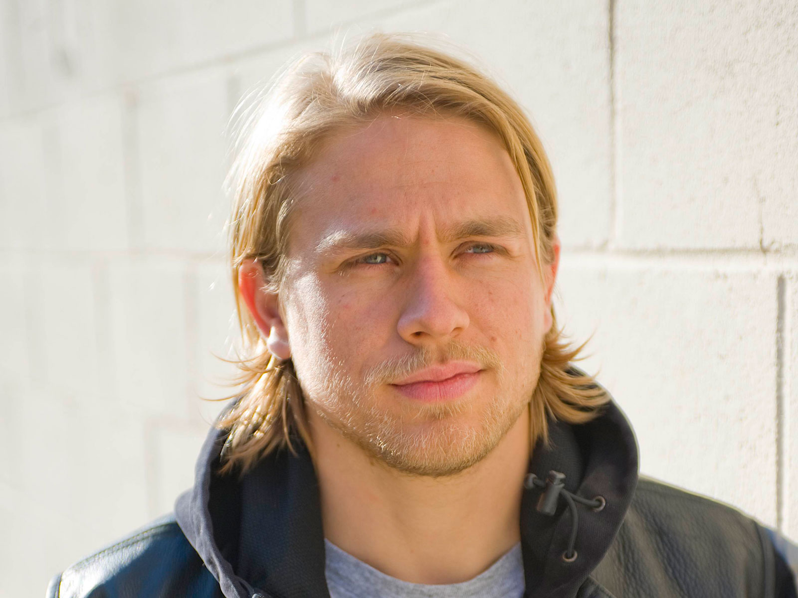 Charlie Hunnam Wallpapers HD Wallpapers Early 1600x1200