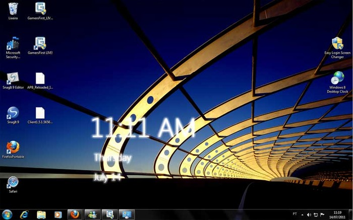 Windows 8 Desktop Clocks multimedia gallery 700x437