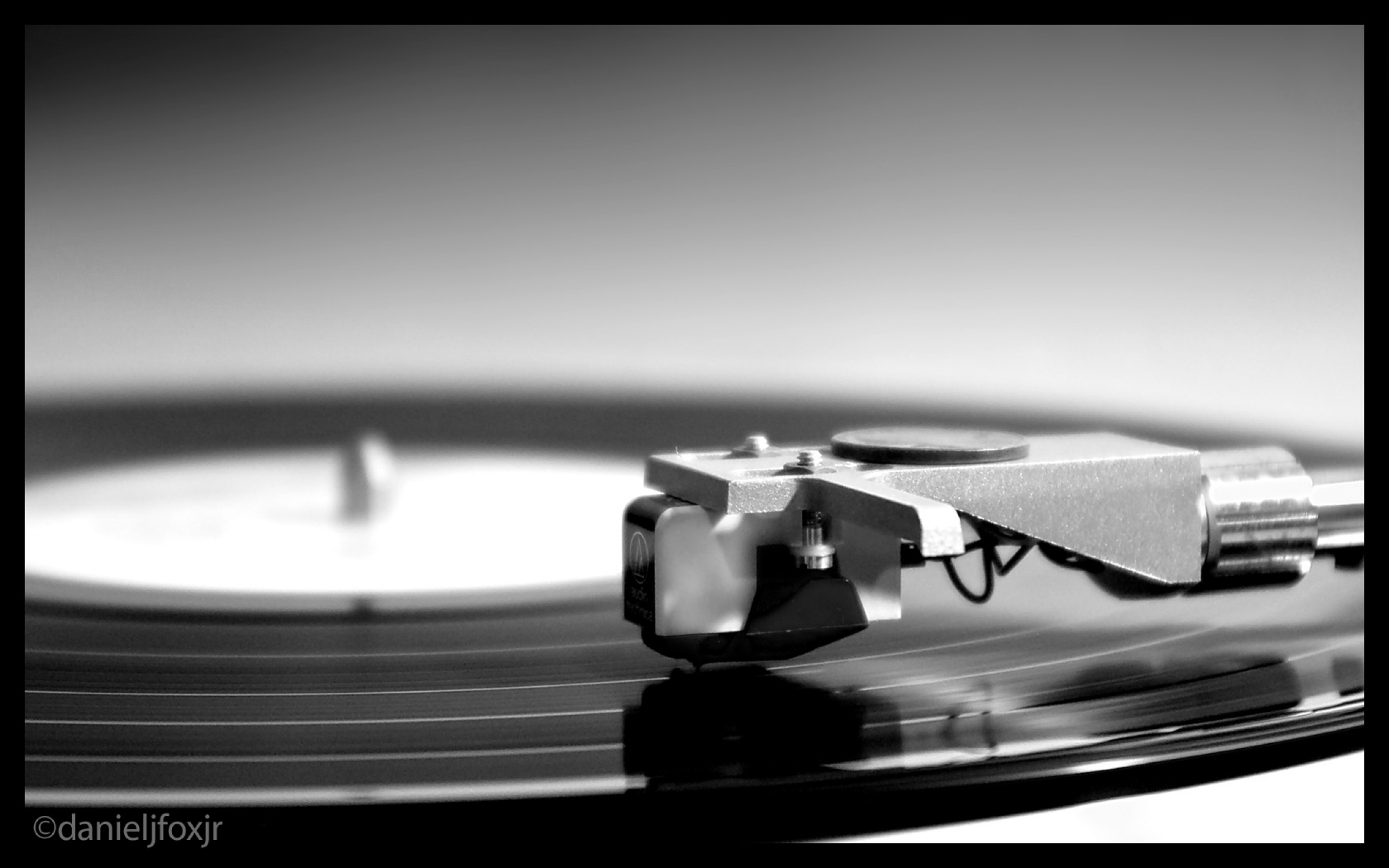 turntable record player monochrome greyscale 1680x1050 wallpaper Art 2560x1600