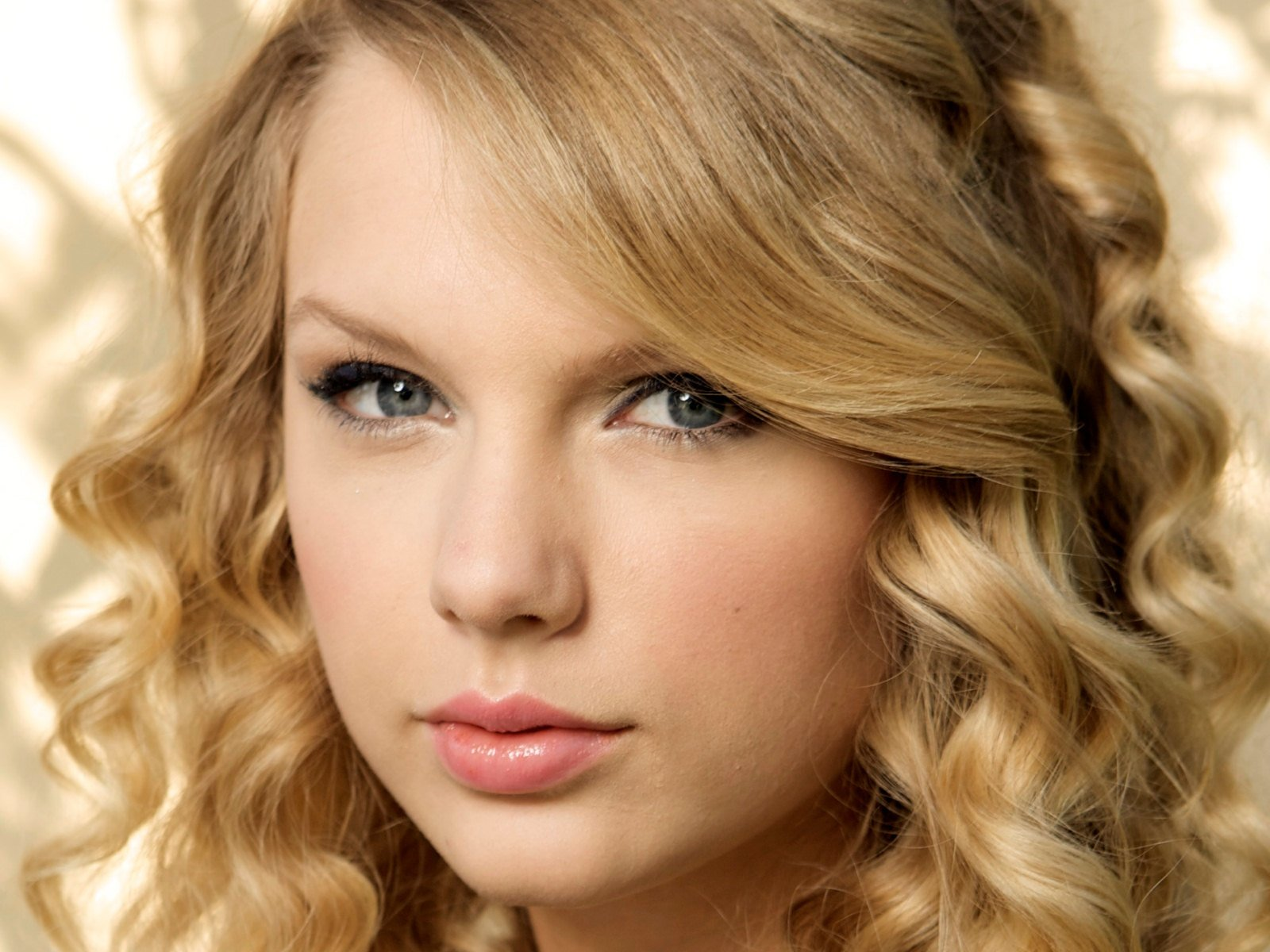 Super Hollywood Taylor Swift HD Wallpapers 2012 1600x1200