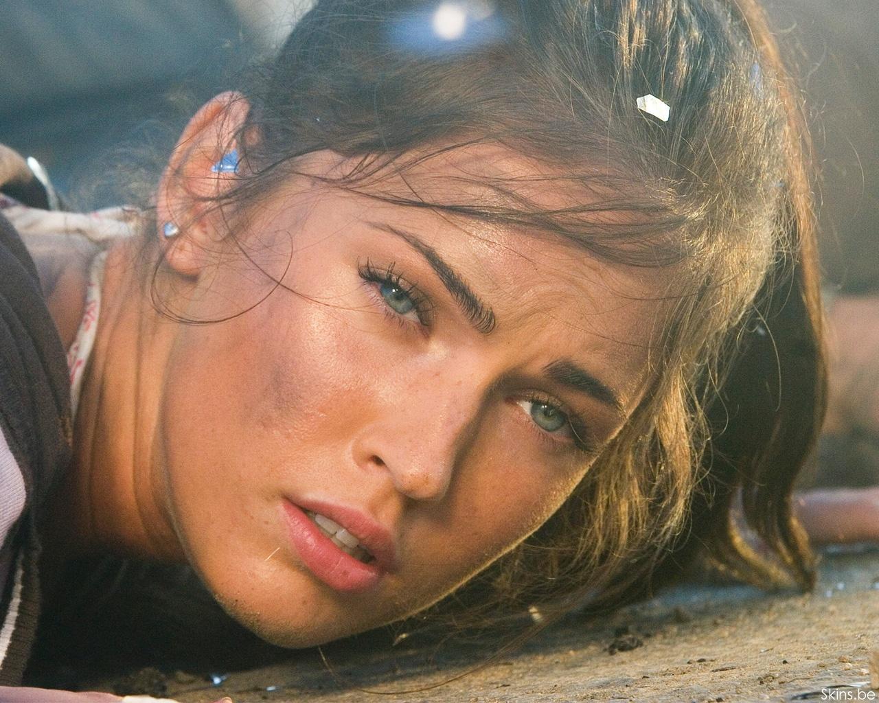 Megan Fox desktop wallpaper download in widescreen hd 30267 1280x1024