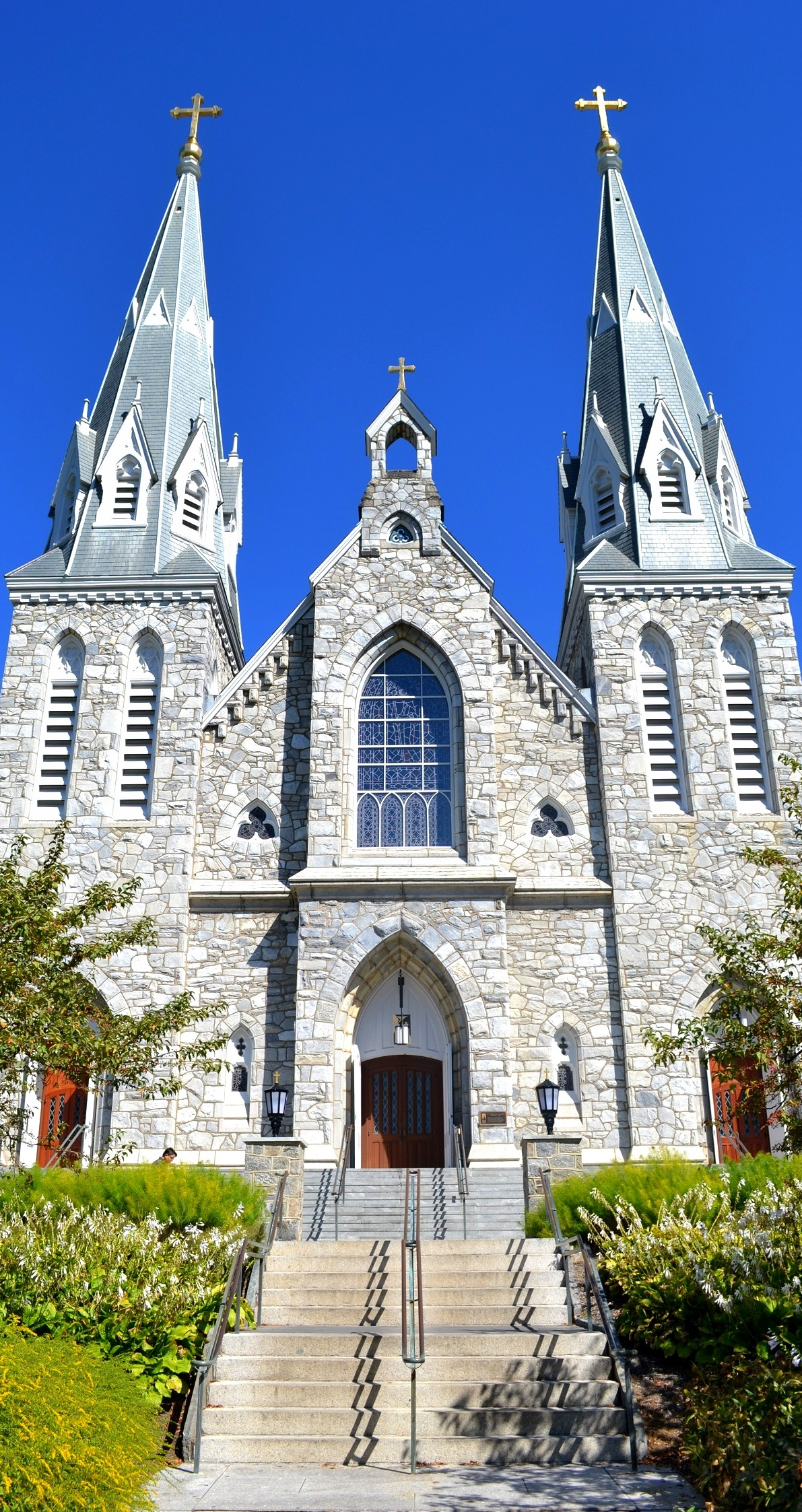 Saint Thomas of Villanova Church at Villanova University 1191x2246