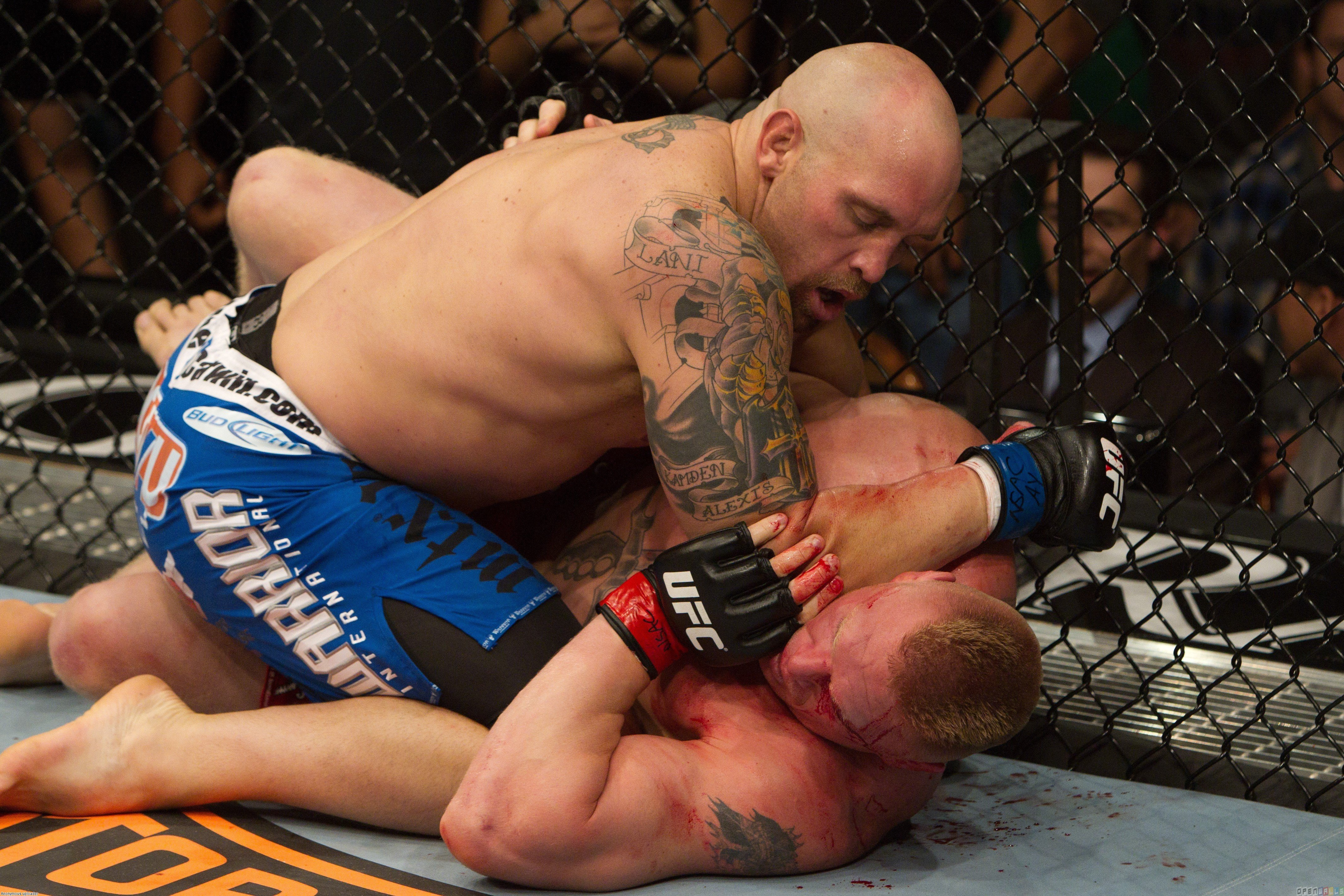 Ufc 116   brock lesnar vs shane carwin wallpaper 14814   Open Walls 4261x2841