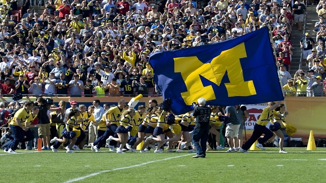 httppicsopediacommichigan wolverines football wallpaperhtml 640x360