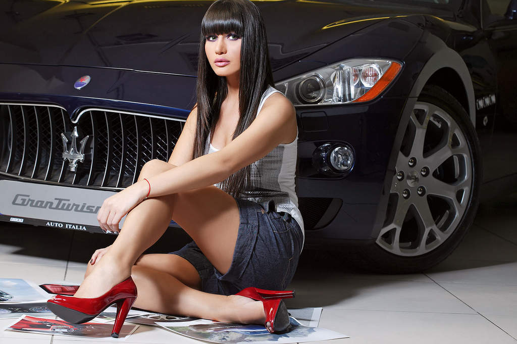 HD Wallpapers Girls and Cars Wallpaper 1024x681