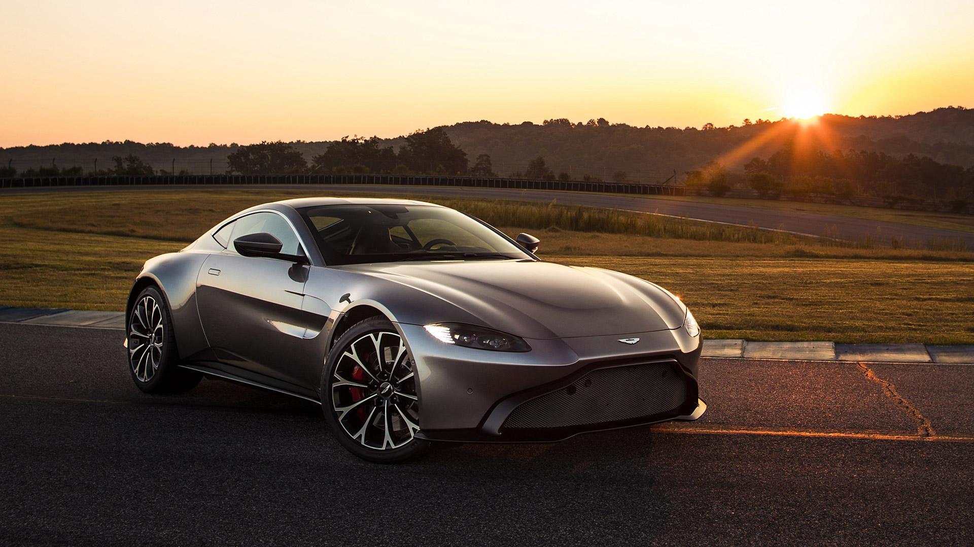 33 Aston Martin Vantage Wallpapers On Wallpapersafari