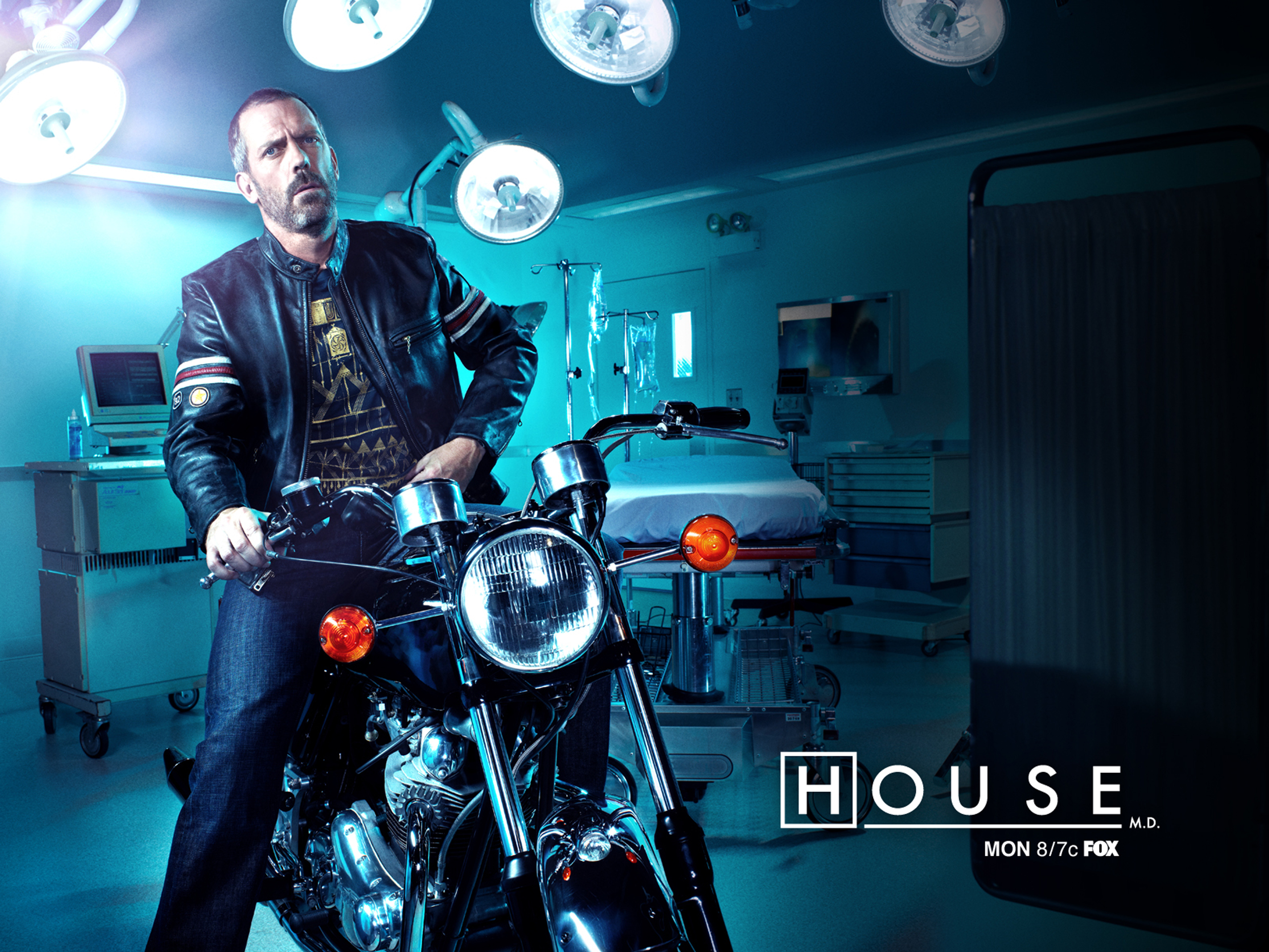 gregory house on motorbike 2560x1920