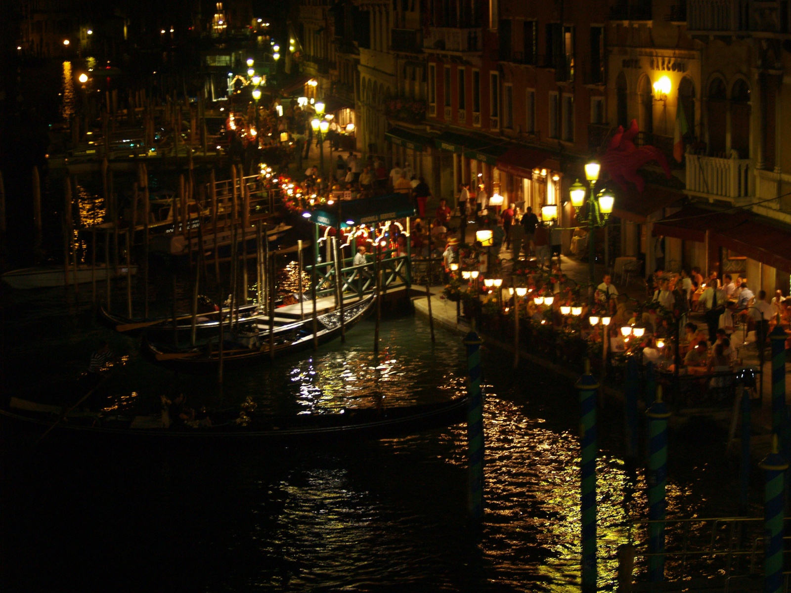 9620 venice at night wallpapers 1600x1200