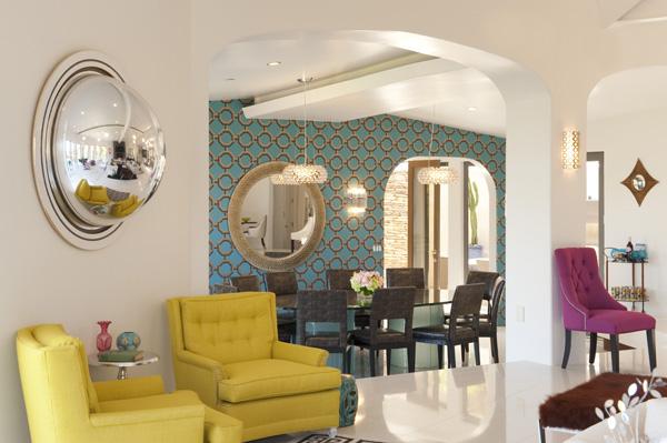 Kathy Griffins living room designed by Lara Spencer 600x399