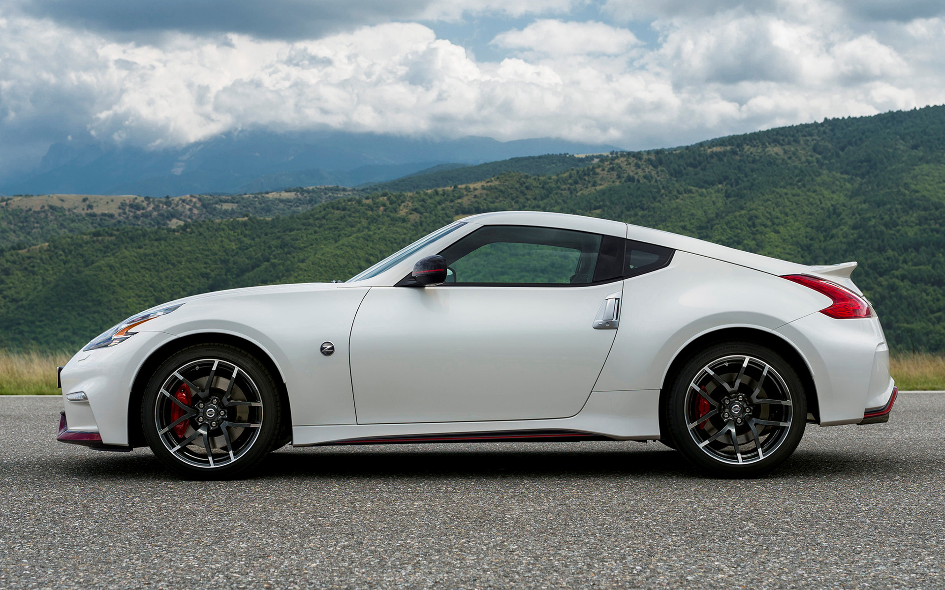 Nissan 370Z Nismo 2014 Wallpapers and HD Images   Car Pixel 1920x1200