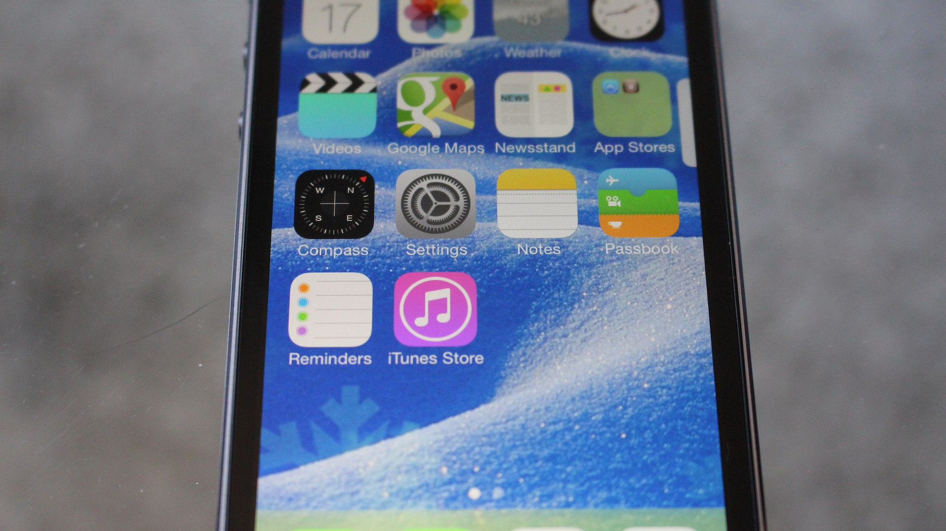 How to Add New Dynamic Wallpapers in iOS 7 Video TheUnlockr 1920x1079