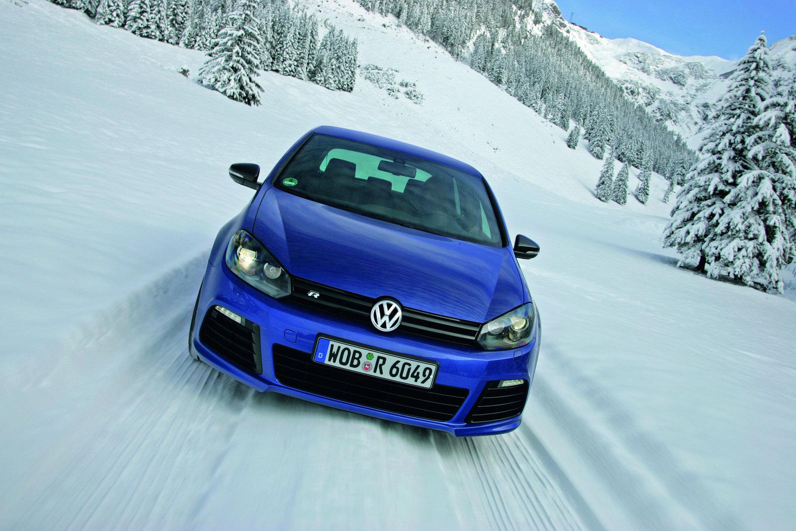2010 Volkswagen Golf R Wallpaper 1600x1067