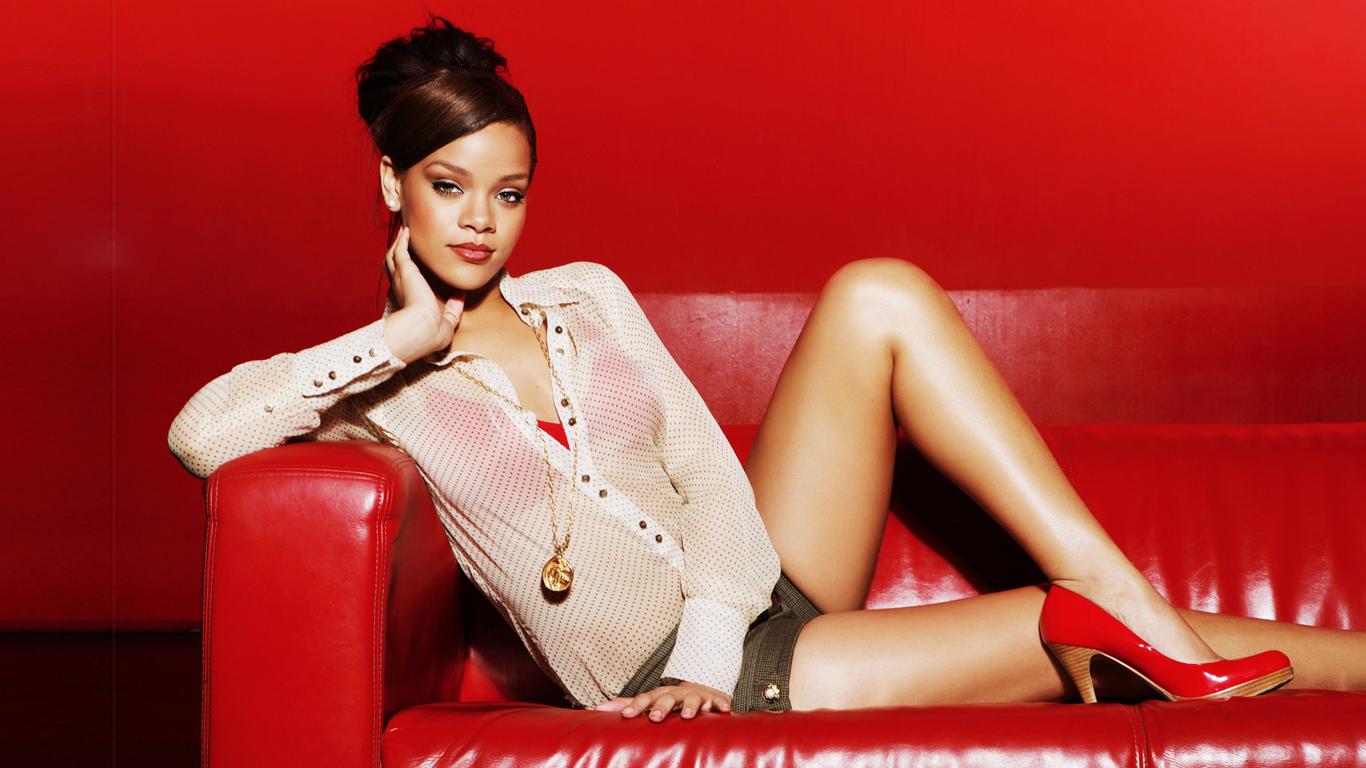Rihanna Wallpaper With Sexy 1366x768