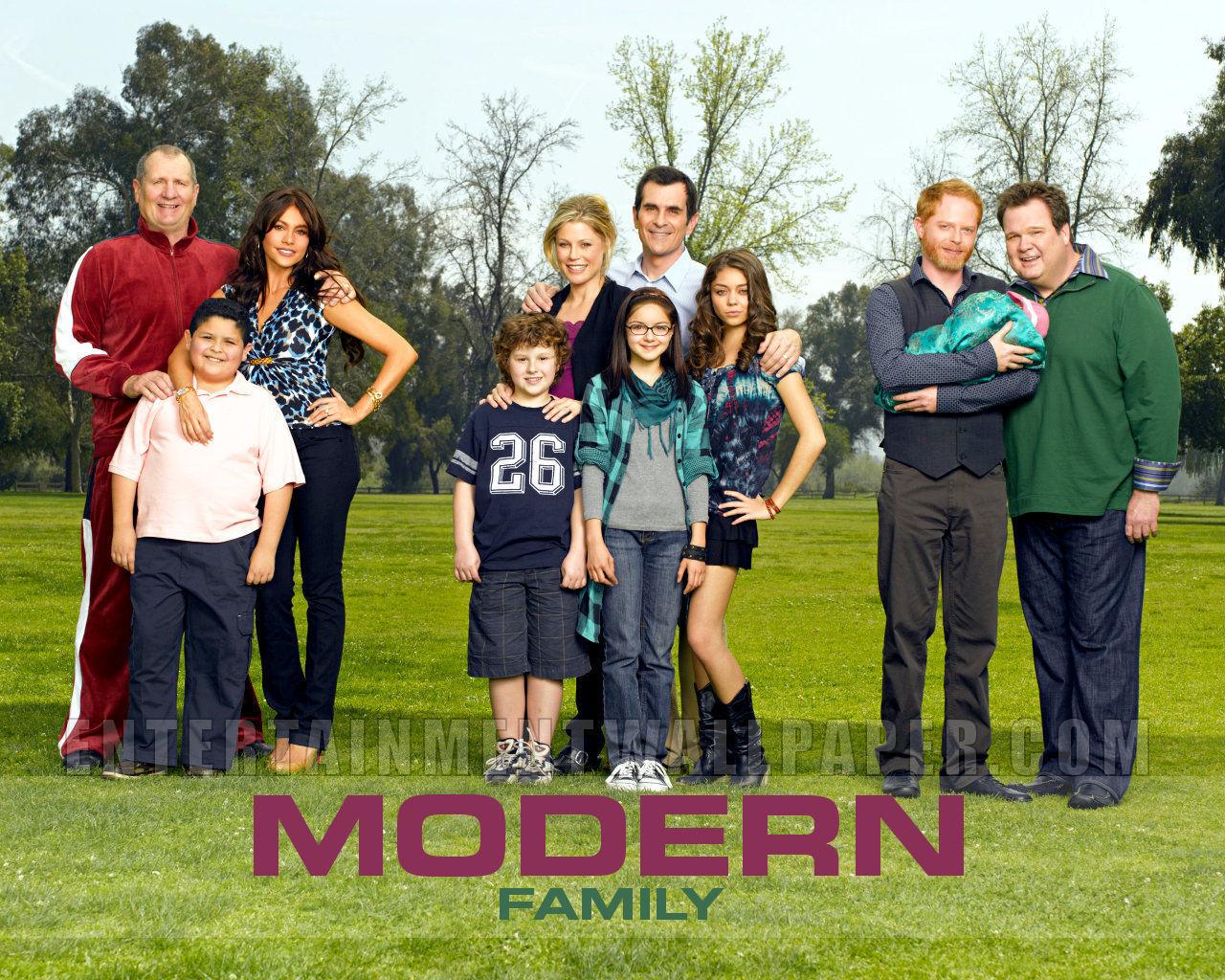Modern Family Wallpaper   Modern Family Wallpaper 8938506 1280x1024