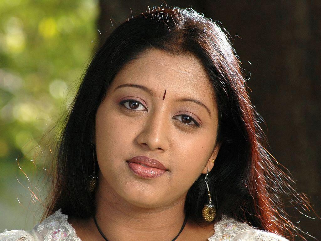 gopika  malayalam actress wallpaper 1024x768  3   Indian Actress 1024x768