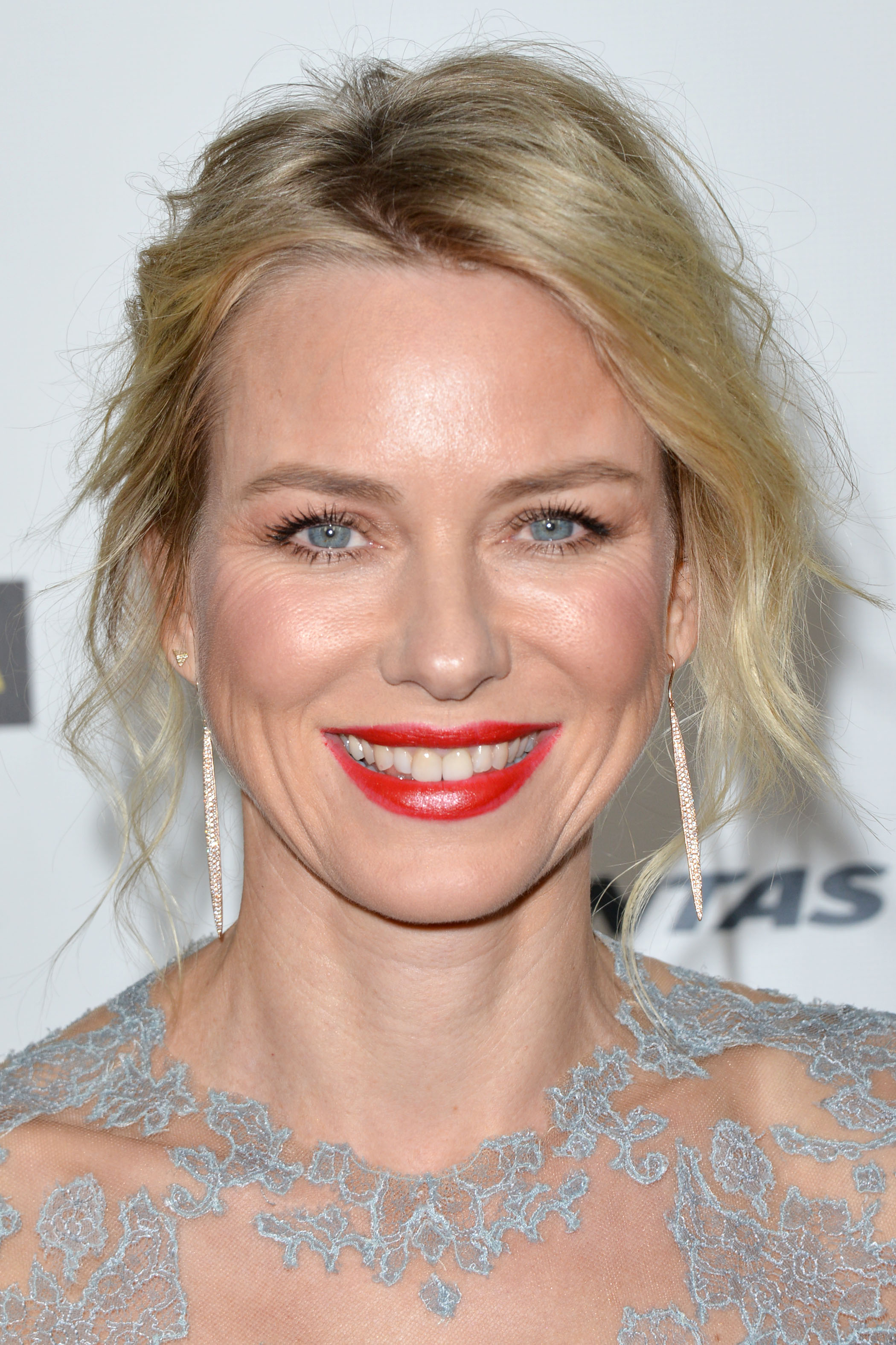 on October 20 2015 By Stephen Comments Off on Naomi Watts Wallpapers 2100x3150