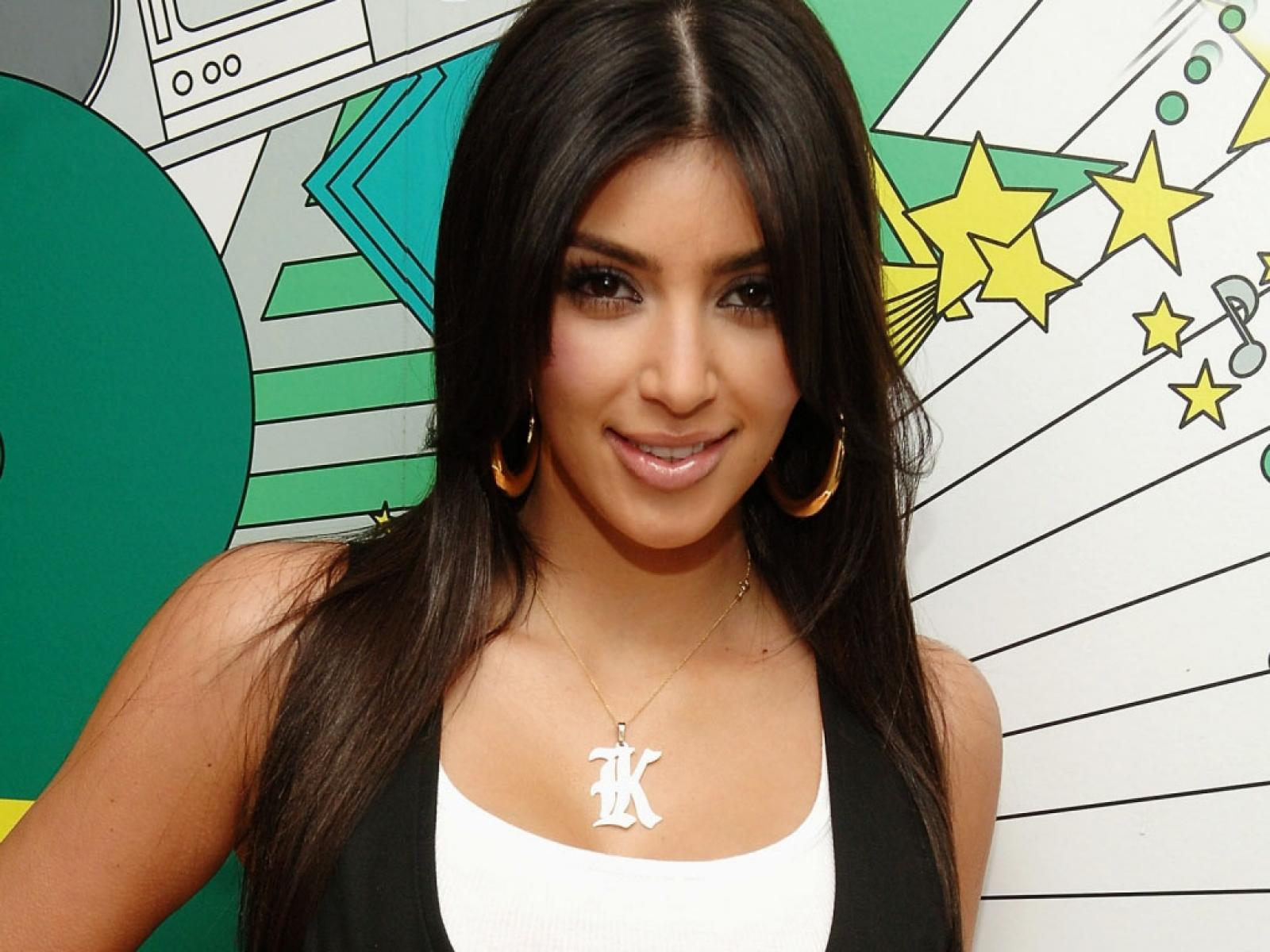 desktop kim kardashian wallpapers kim kardashian wallpaper hd 3jpg 1600x1200