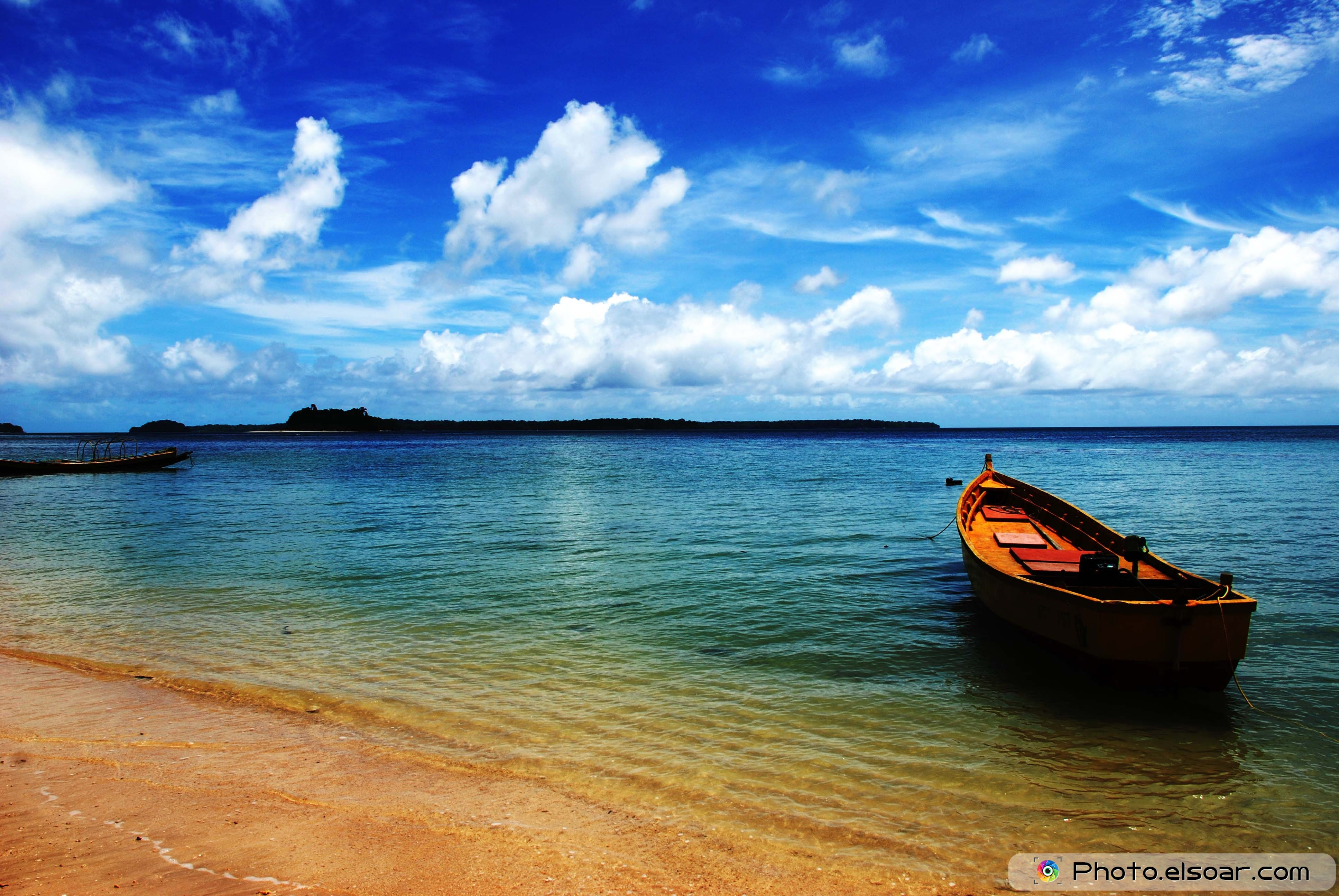 Wallpapers HD Beaches With Boats