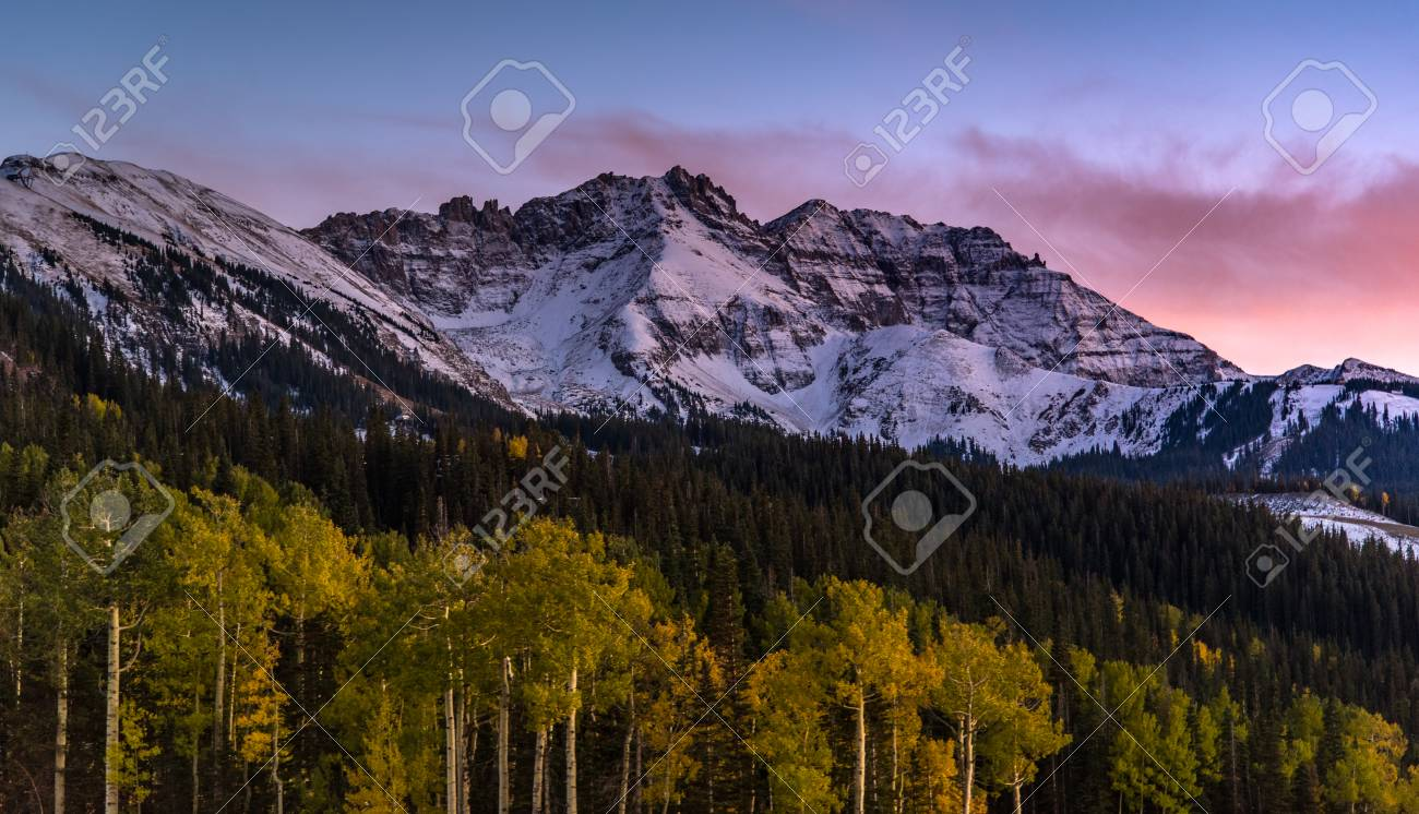 Sunset Over Autumn Forest With Mountain Background In Telluride 1300x746
