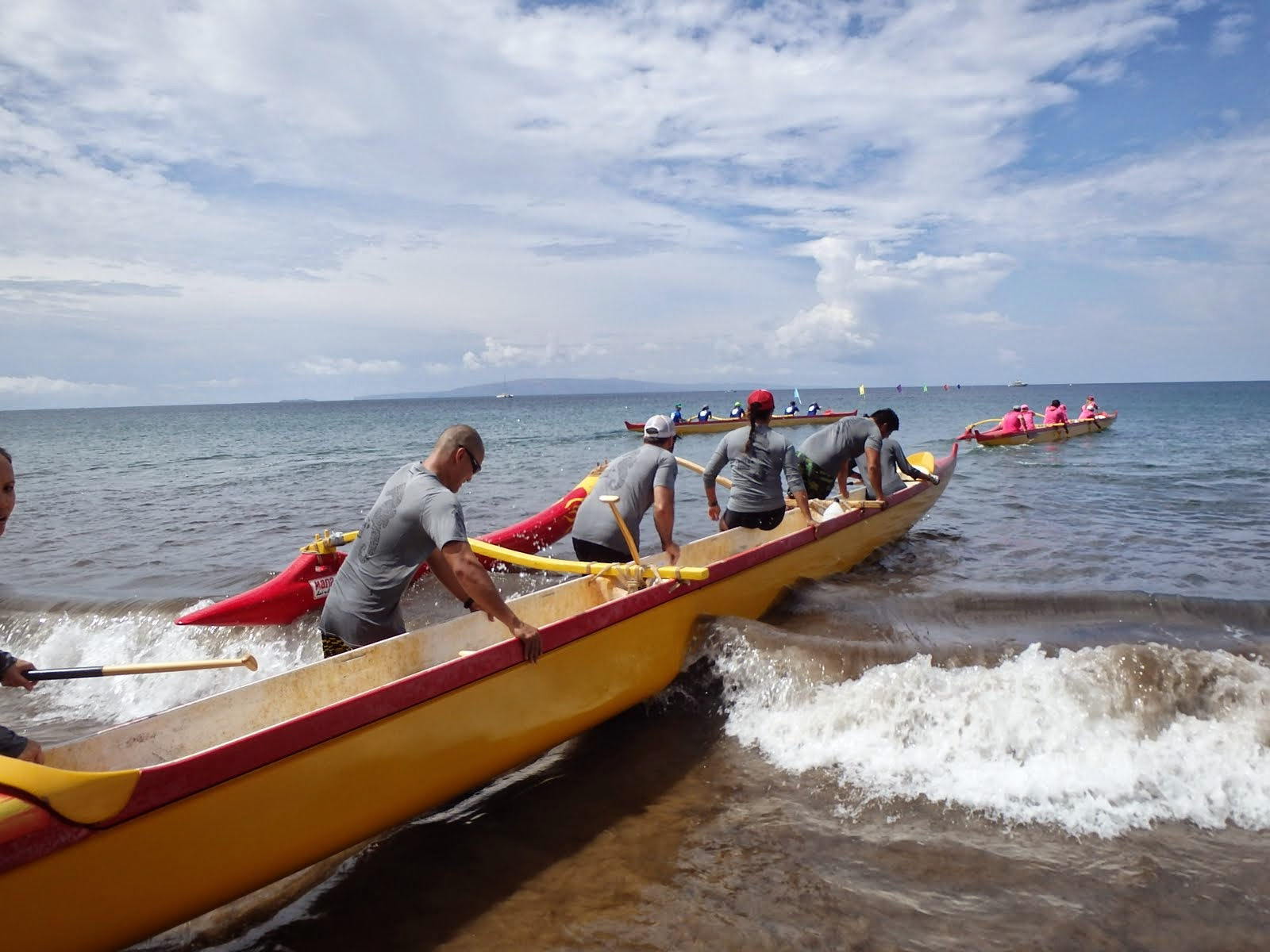 Beach canoe hawaii wallpaper 1600x1200
